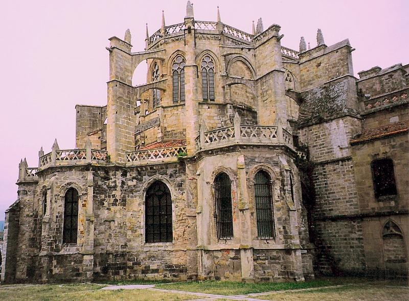 File:Sta Maria de la Asuncion - Castro Urdiales.jpg - Wikimedia Commons
