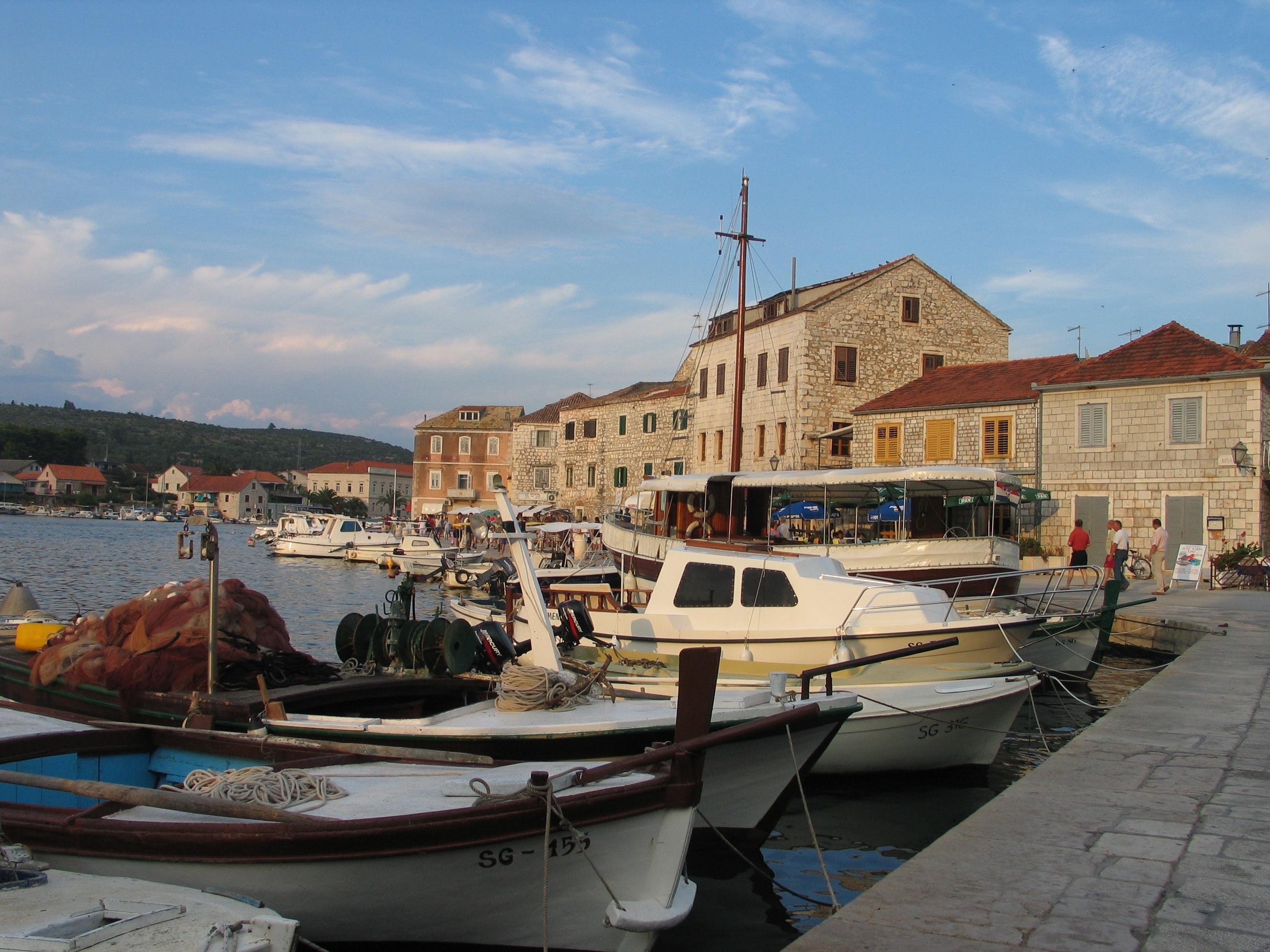 Starigradska riva