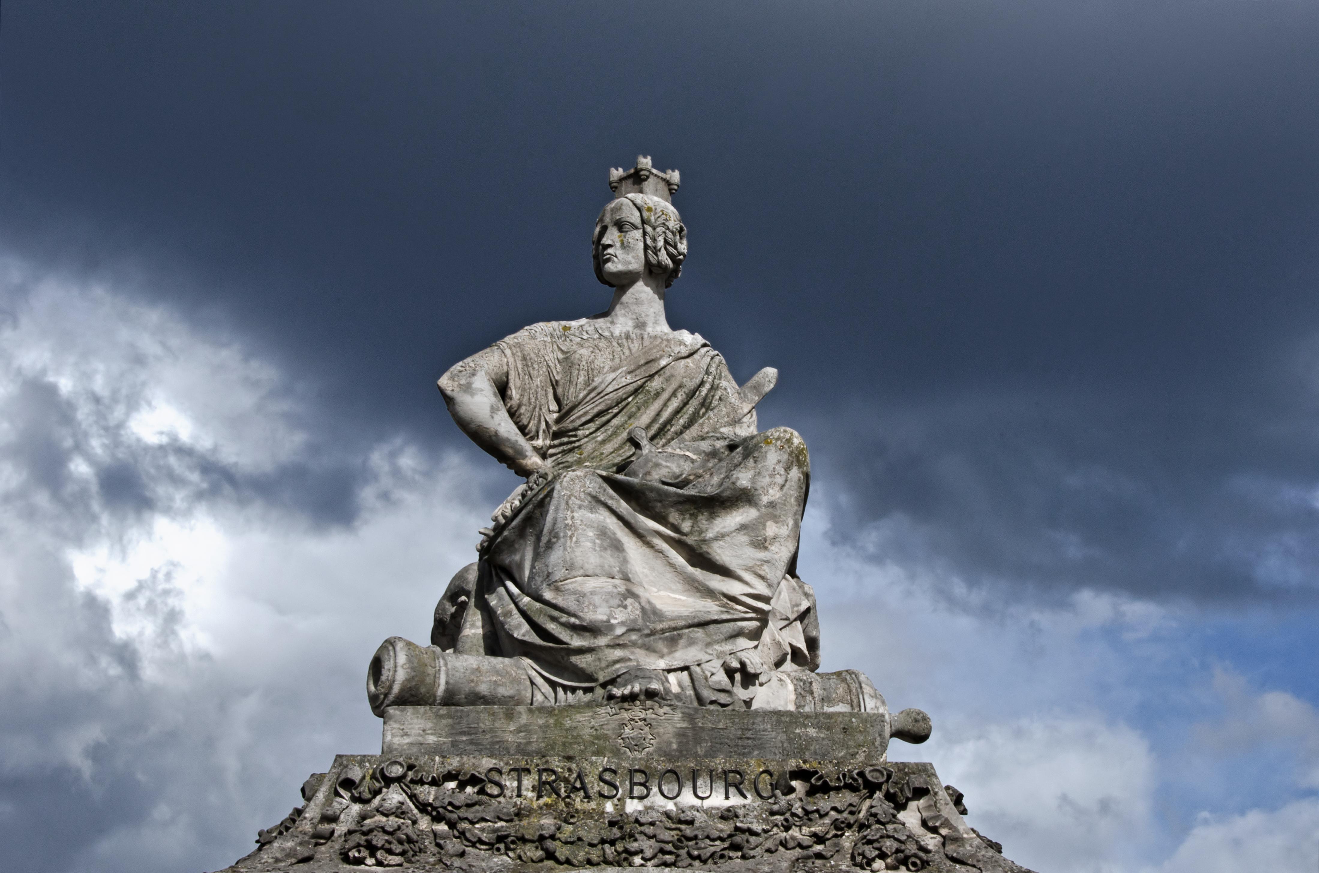 file statue of strasbourg on place de la concorde paris france