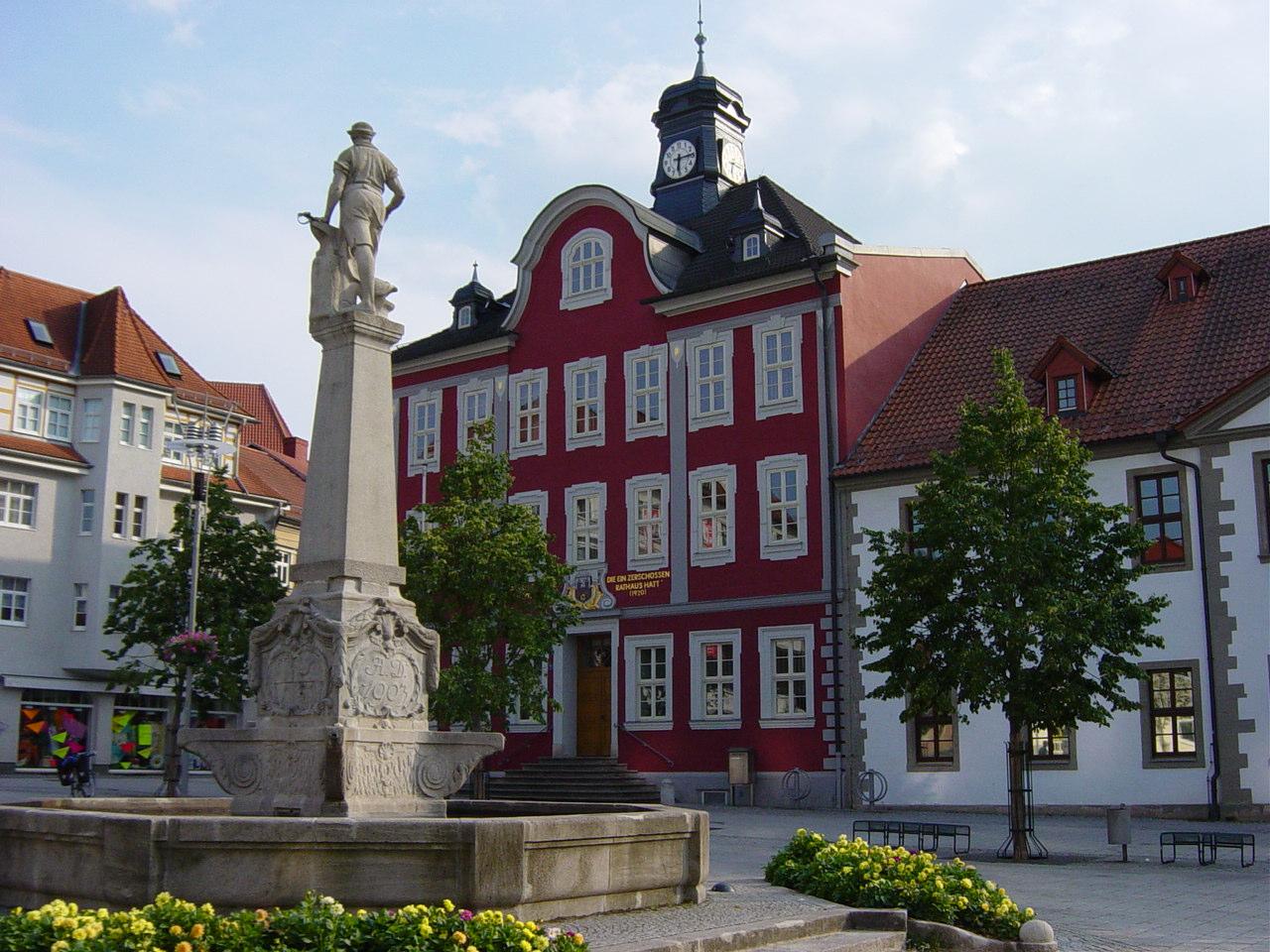 Rathaus in ''Suhl''