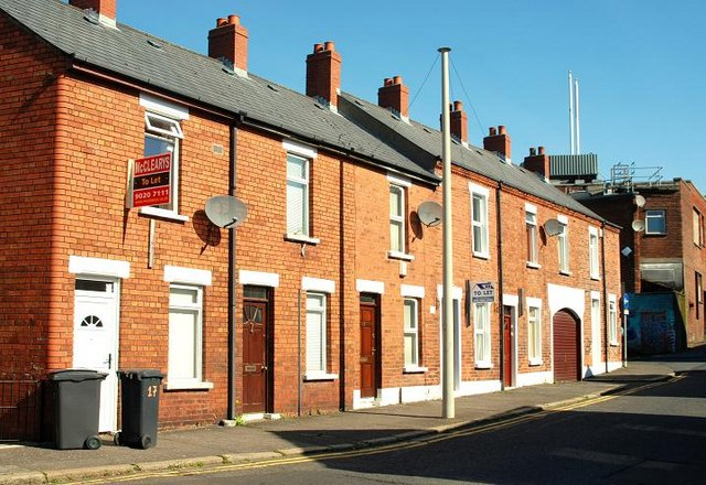 File terrace houses east belfast for Terrace in house