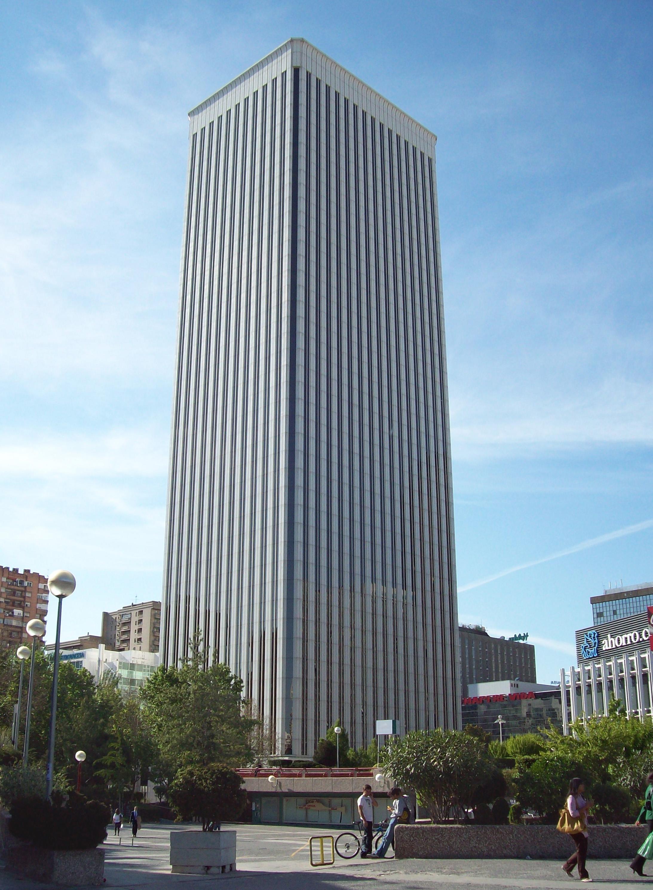Archivo torre picasso madrid wikipedia la for Banco santander sucursales barcelona