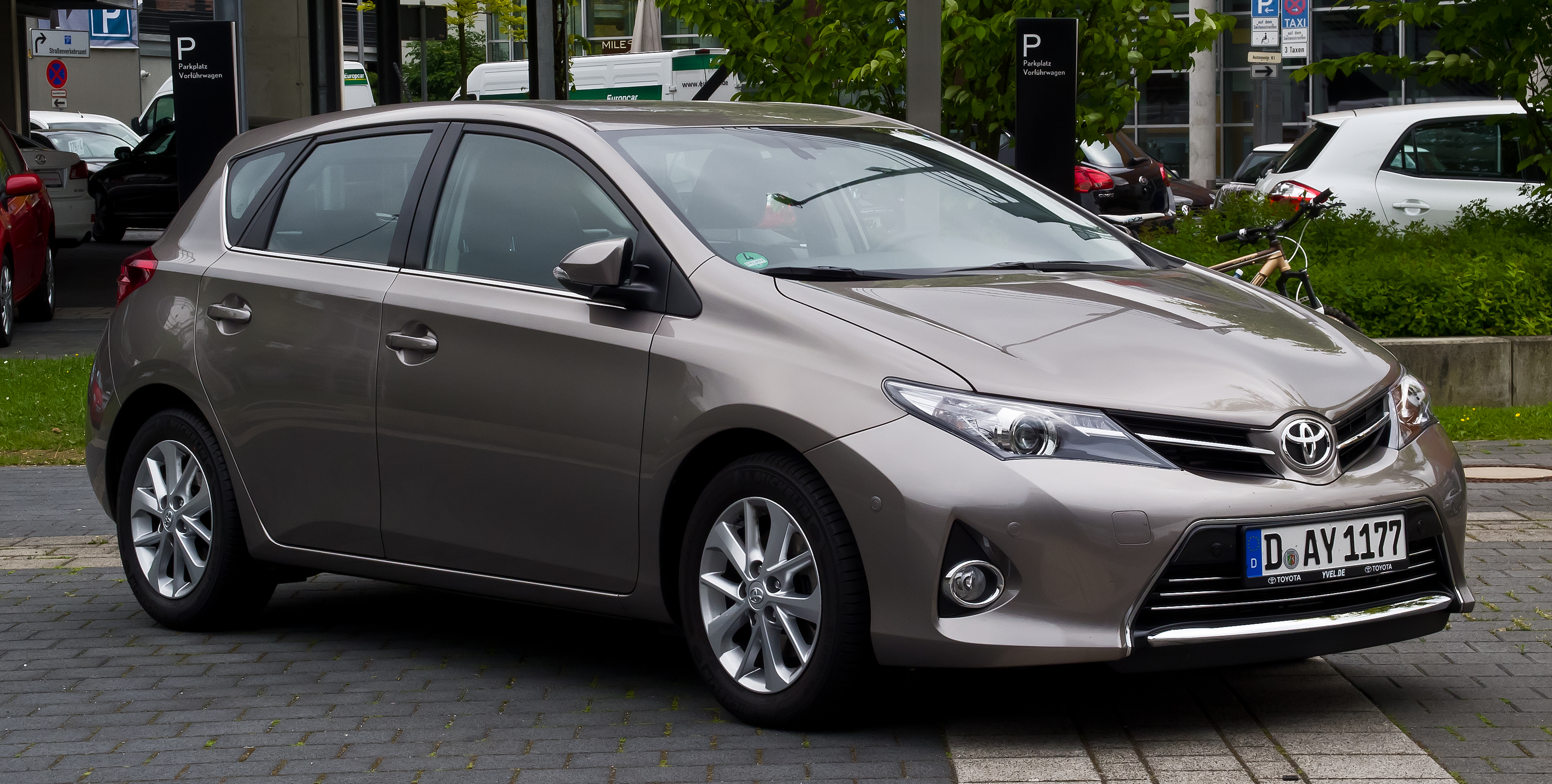 file toyota auris 2 0 d 4d executive ii frontansicht