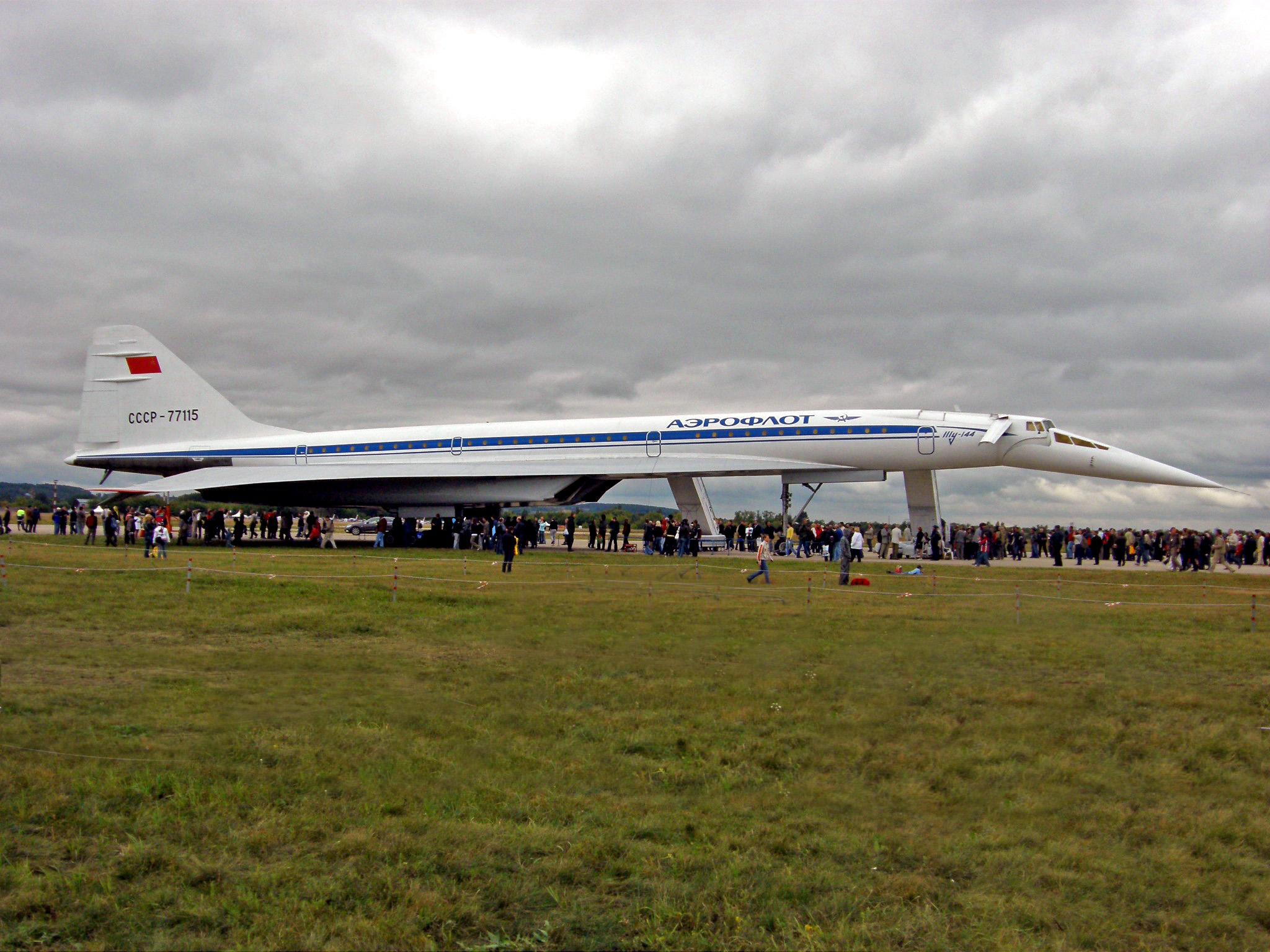 Tupolev_Tu-144_%284322159916%29.jpg