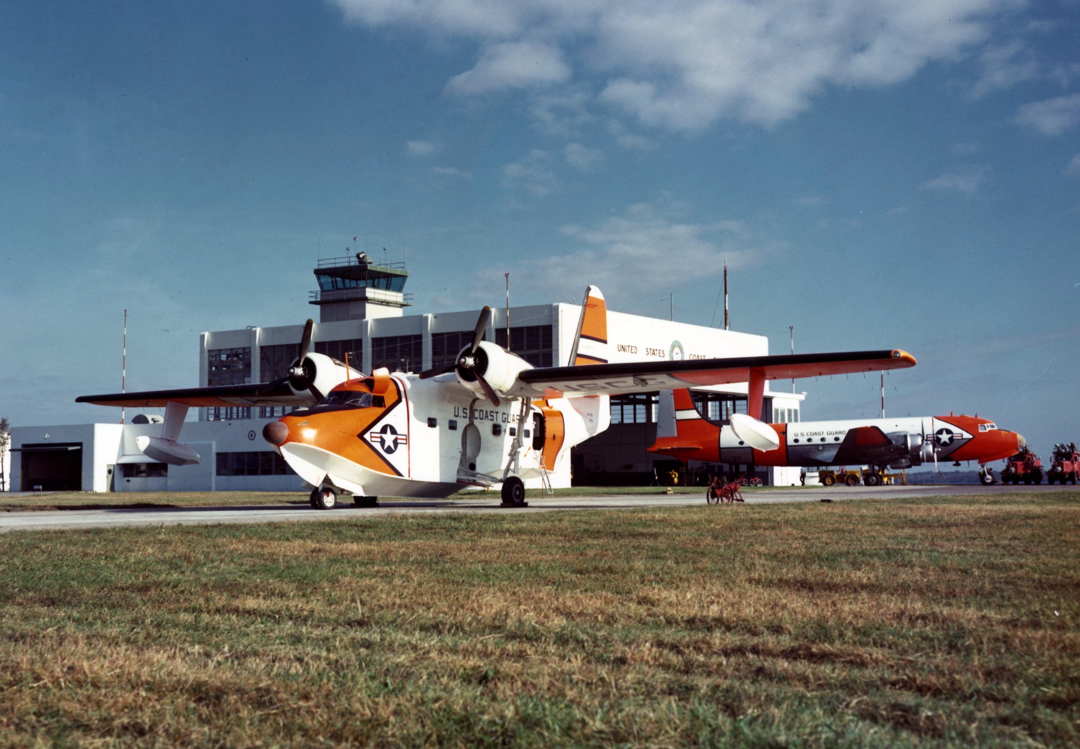 File:USCG UF-2G at CGAS Elizabeth City 1950s.jpg - Wikimedia Commonselizabeth city city