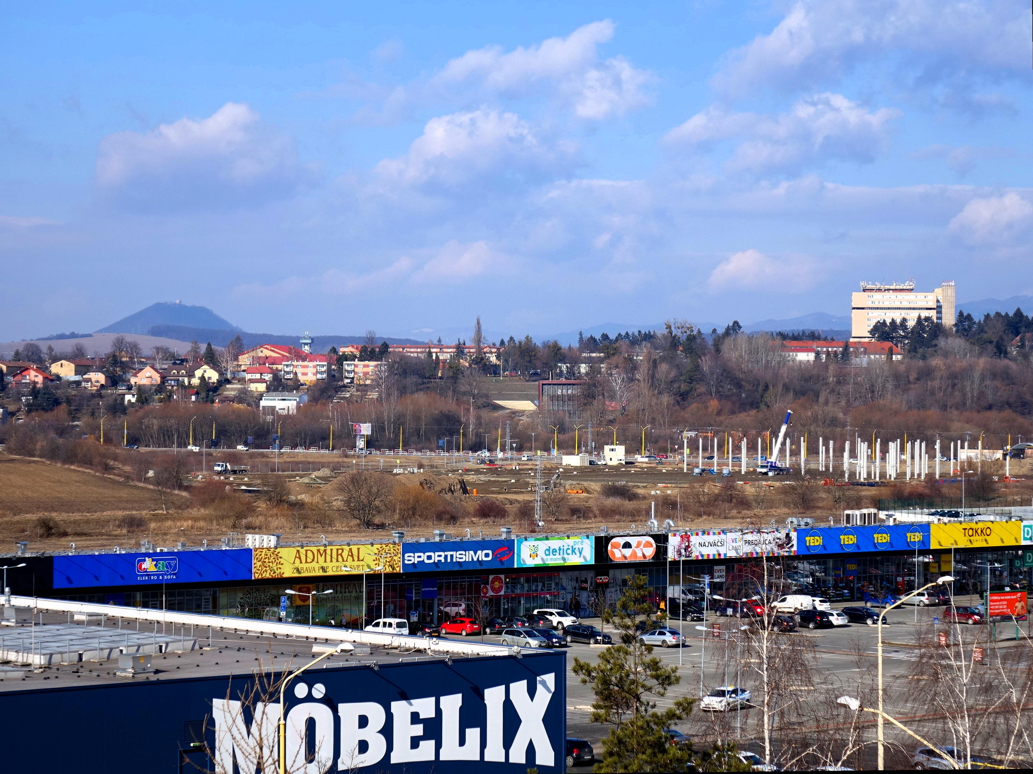 File Výstavba OC Hornbach mesto Prešov Slovakia.jpg - Wikimedia Commons d1cfd7be708