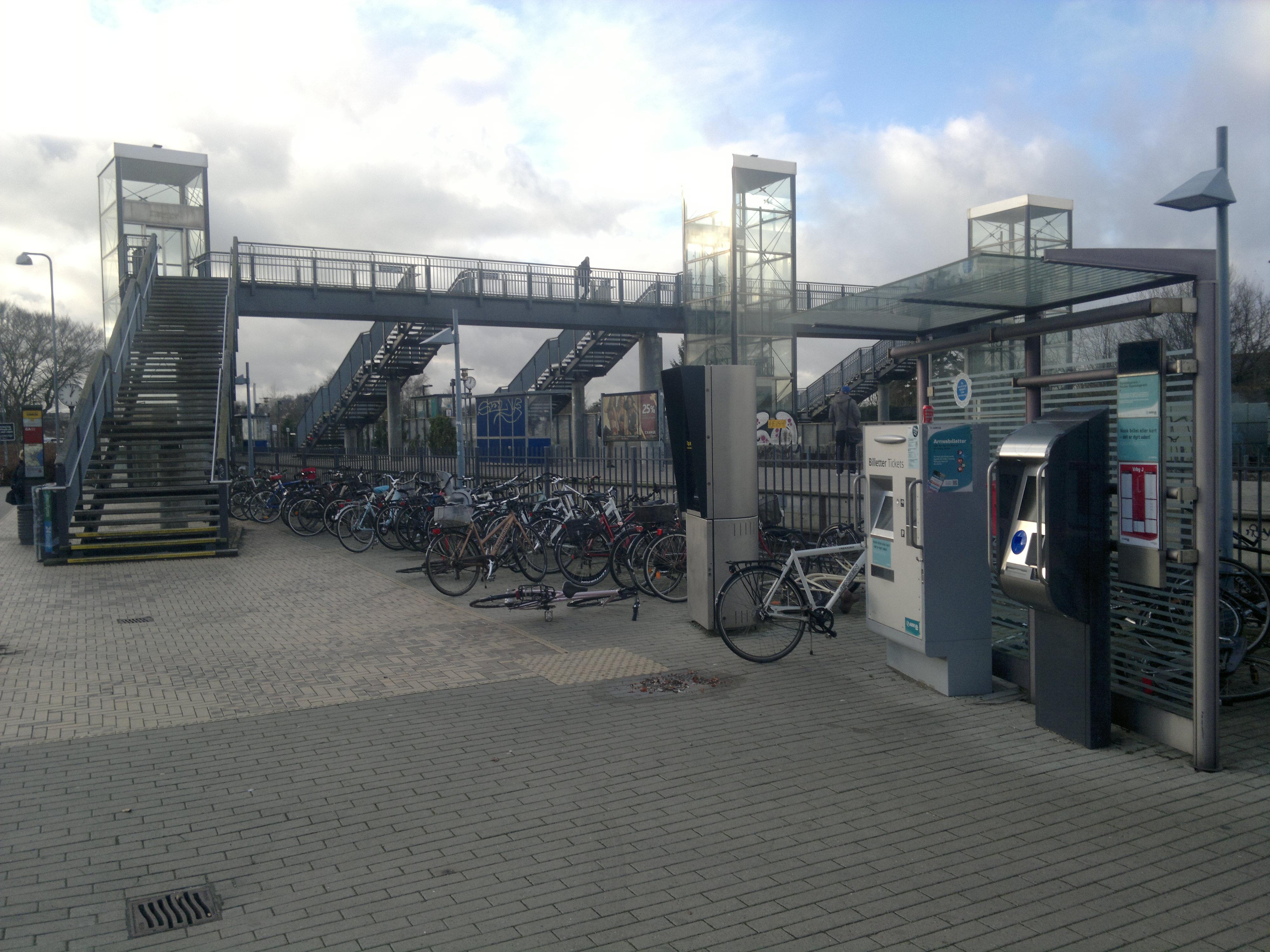 File Viby J Station Aarhus 7 Jpg Wikimedia Commons