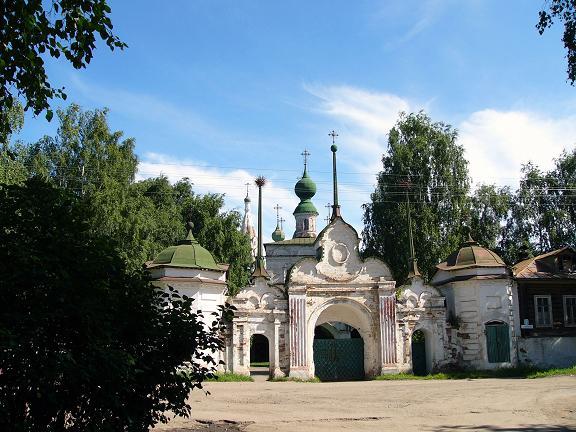 File:Veliky Ustyug Mikhailo-Arkhangelsky Monastery-1.jpg