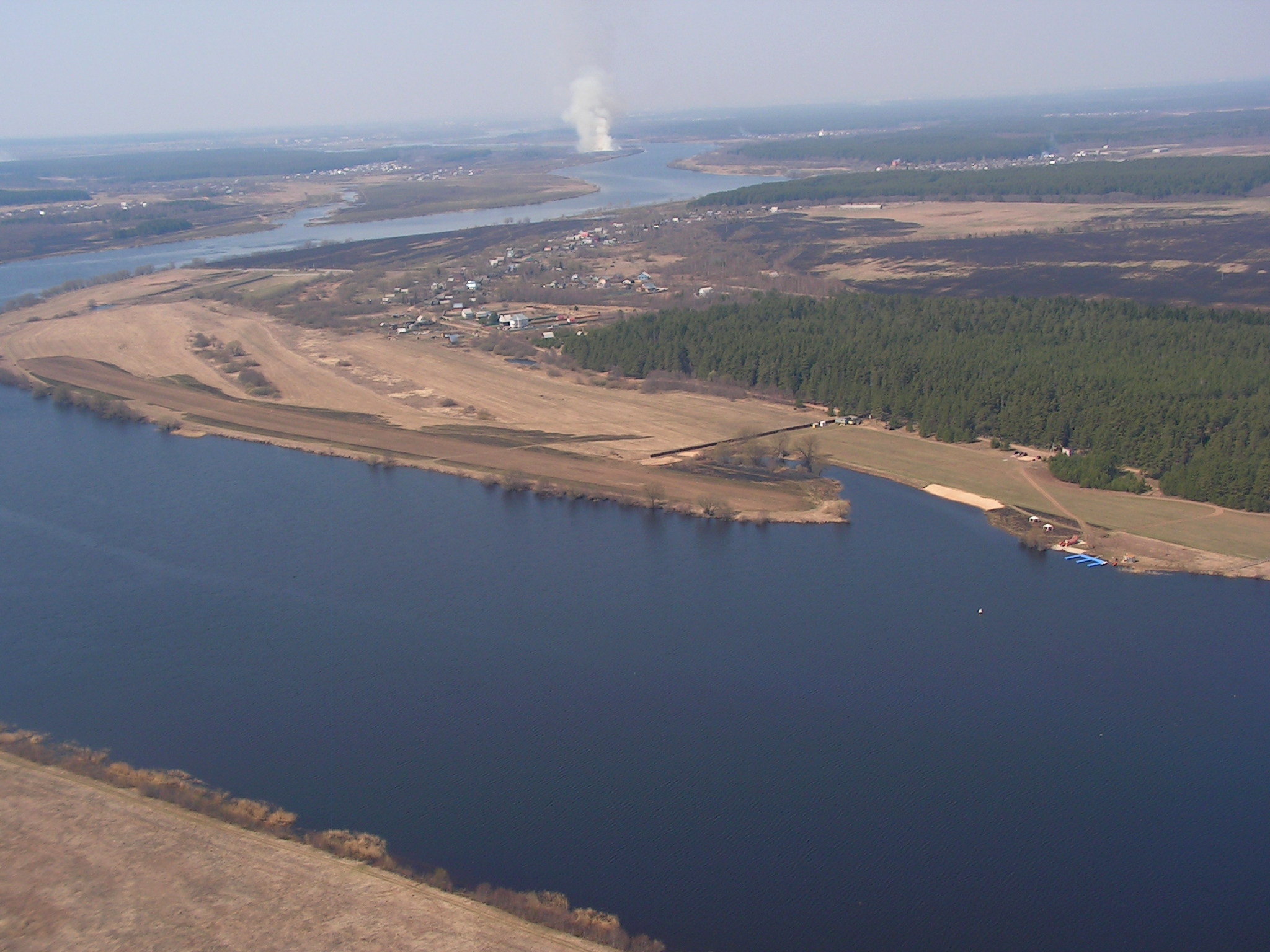 File:Volga River in Tver Oblast.jpg - Wikimedia Commons