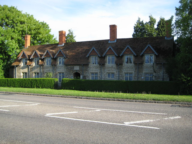 Waddesdon, The Goodwin Almshouses - geograph.org.uk - 1290578