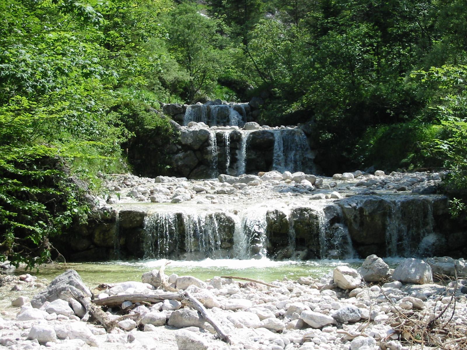 Mountain stream - Wikipedia