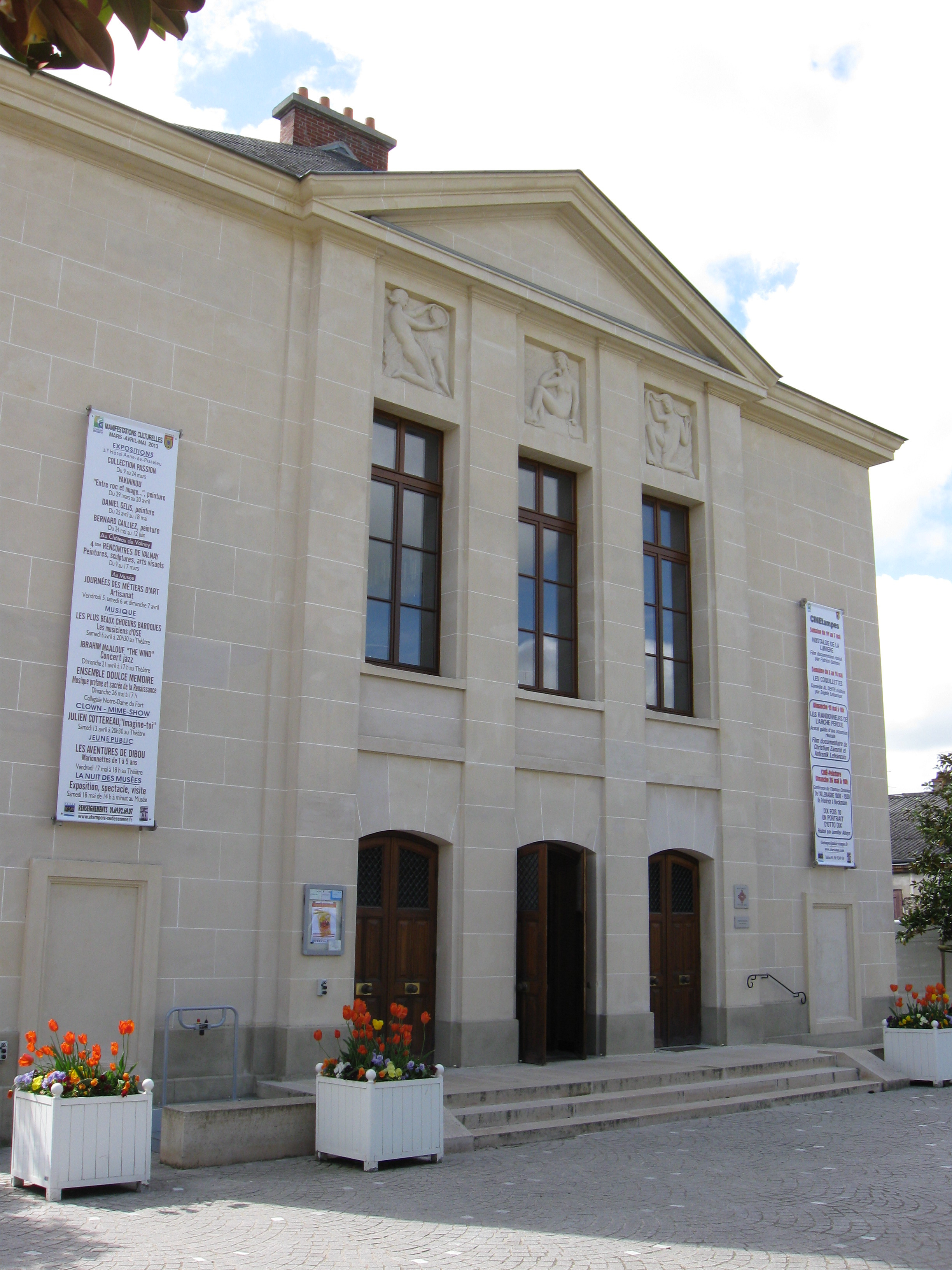 Site De Rencontres Gays à Saint_Etienne_la_Cigogne (79360) – Deux-Sevres