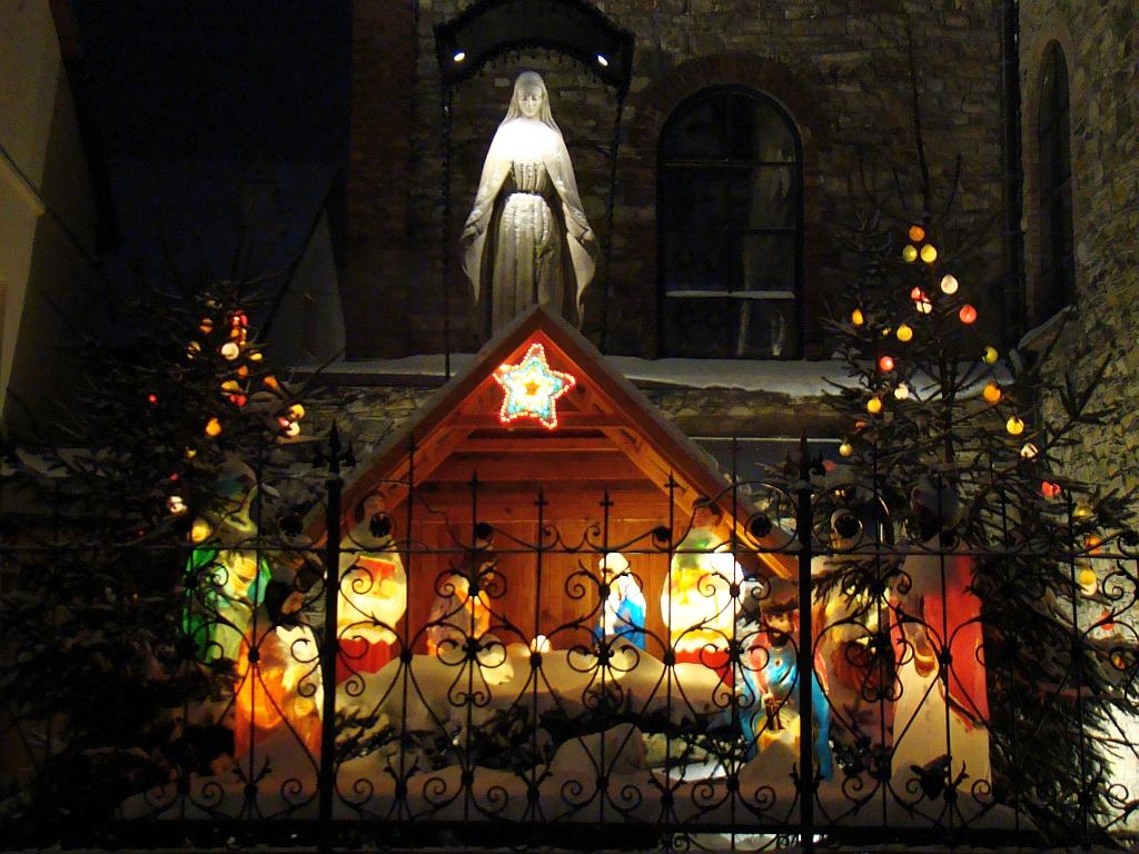 file 04463 christmas decorations in sanok jpg diy decora 231 227 o com bolas de natal mania de decora 231 227 o