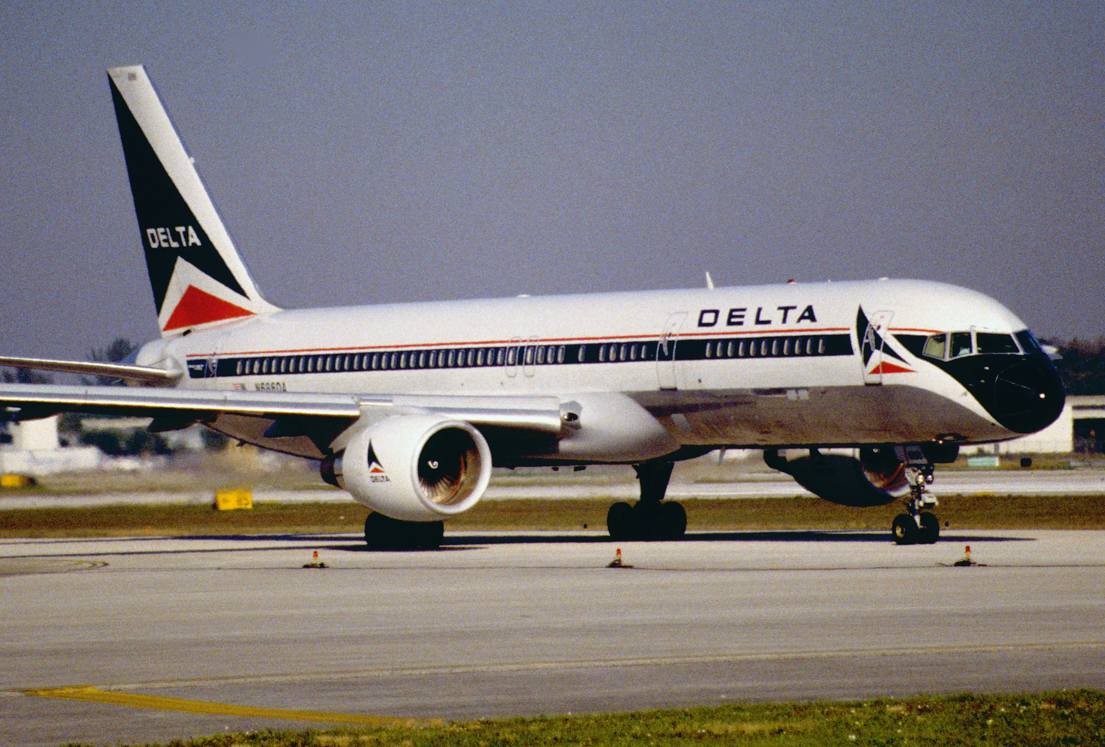 Aviation Charts For Google Earth: 11al - Delta Air Lines Boeing 757-232; N686DA@FLL;30.01.1998 ,Chart