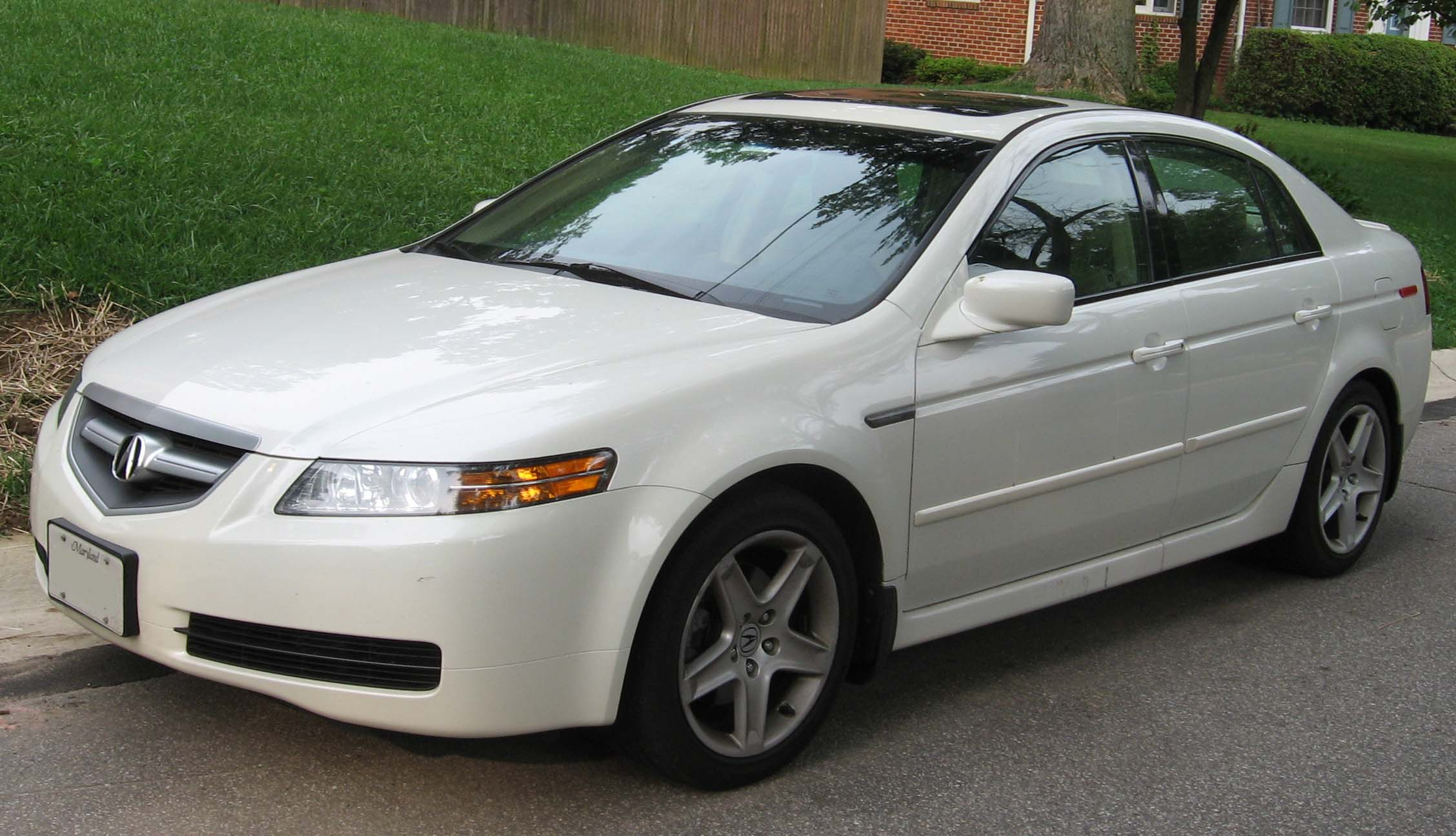 File:2004-2006 Acura TL.jpg - Wikimedia Commons