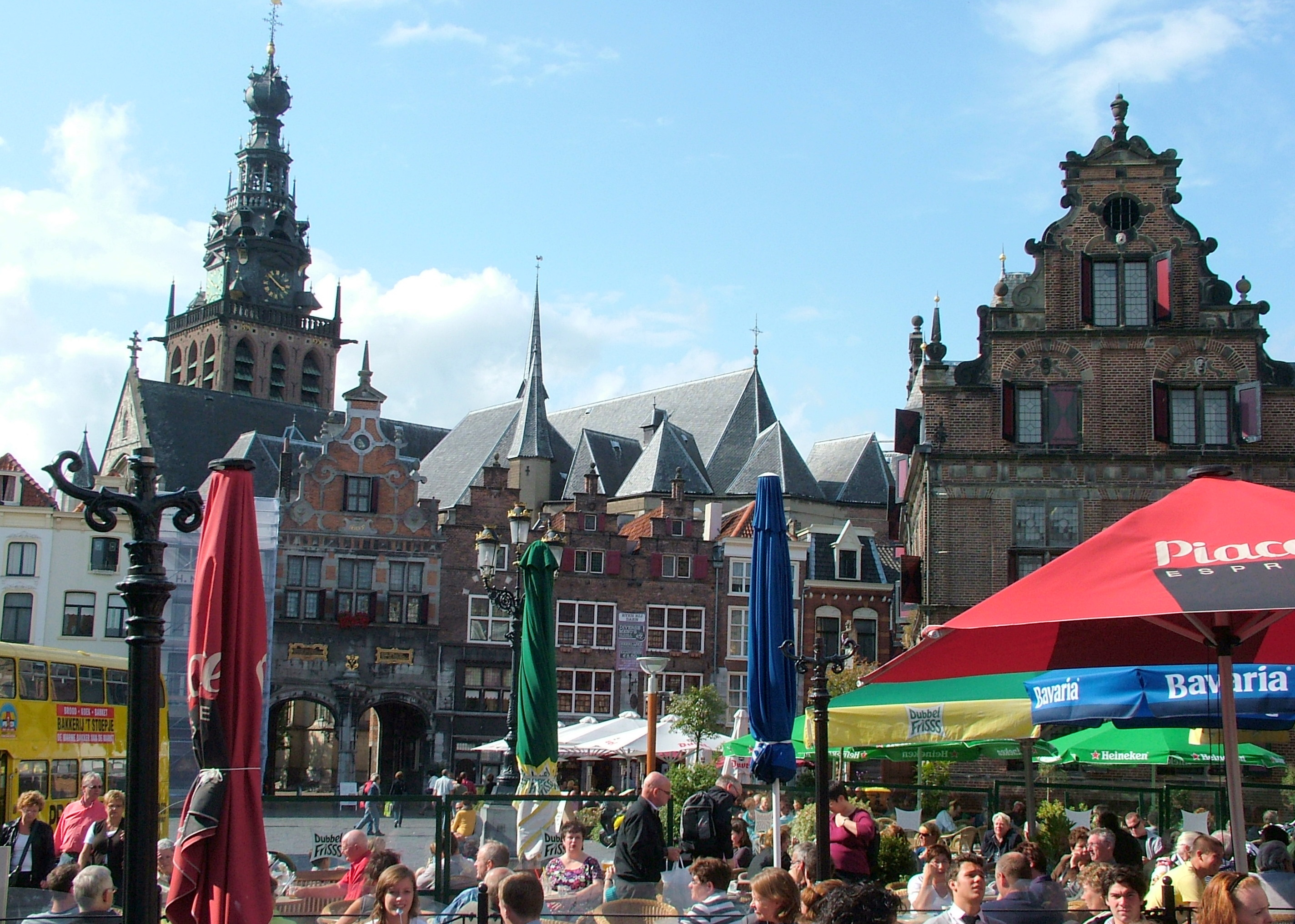 Houten Vloeren Nijmegen : Bestand nijmegen grote markt g wikipedia