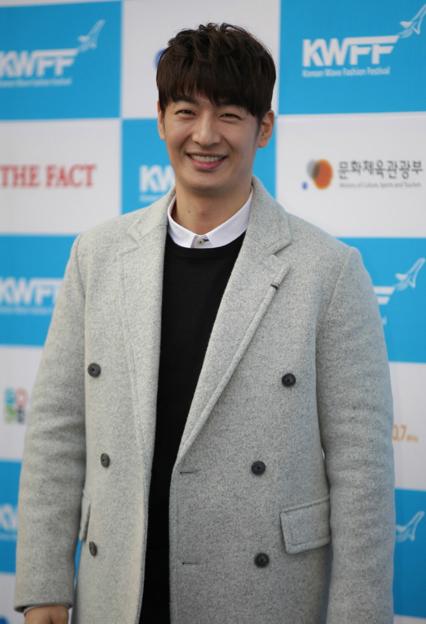 Son Ho-young - Wikipedia