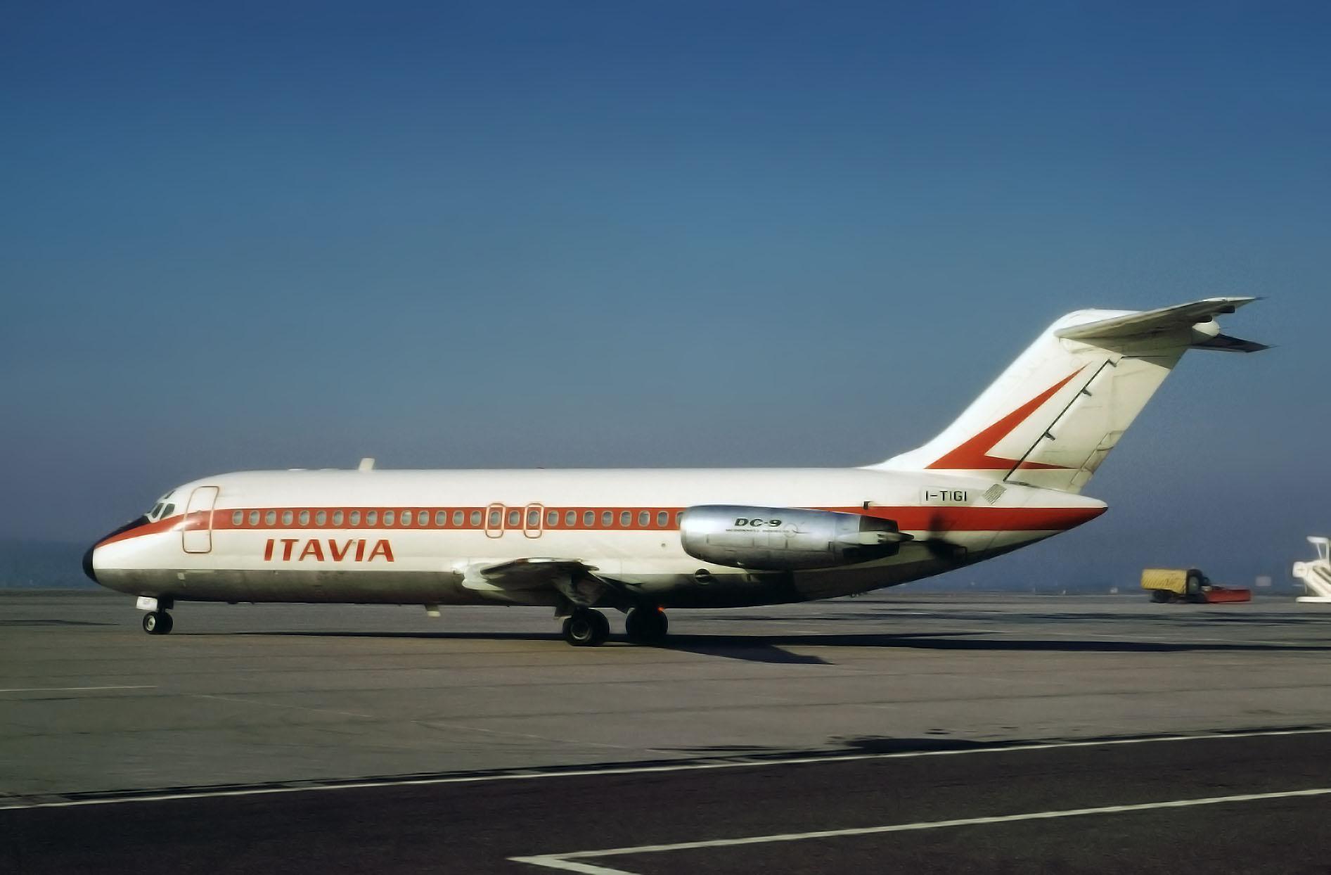 Il DC-9 Itavia I-TIGI caduto su Ustica, in una foto scattata otto anni prima durante un transito da Basilea