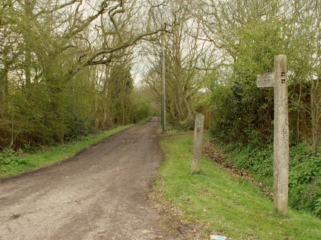 A public bridleway linking Broomwood Lane with Goatsmoor Lane - geograph.org.uk - 748548