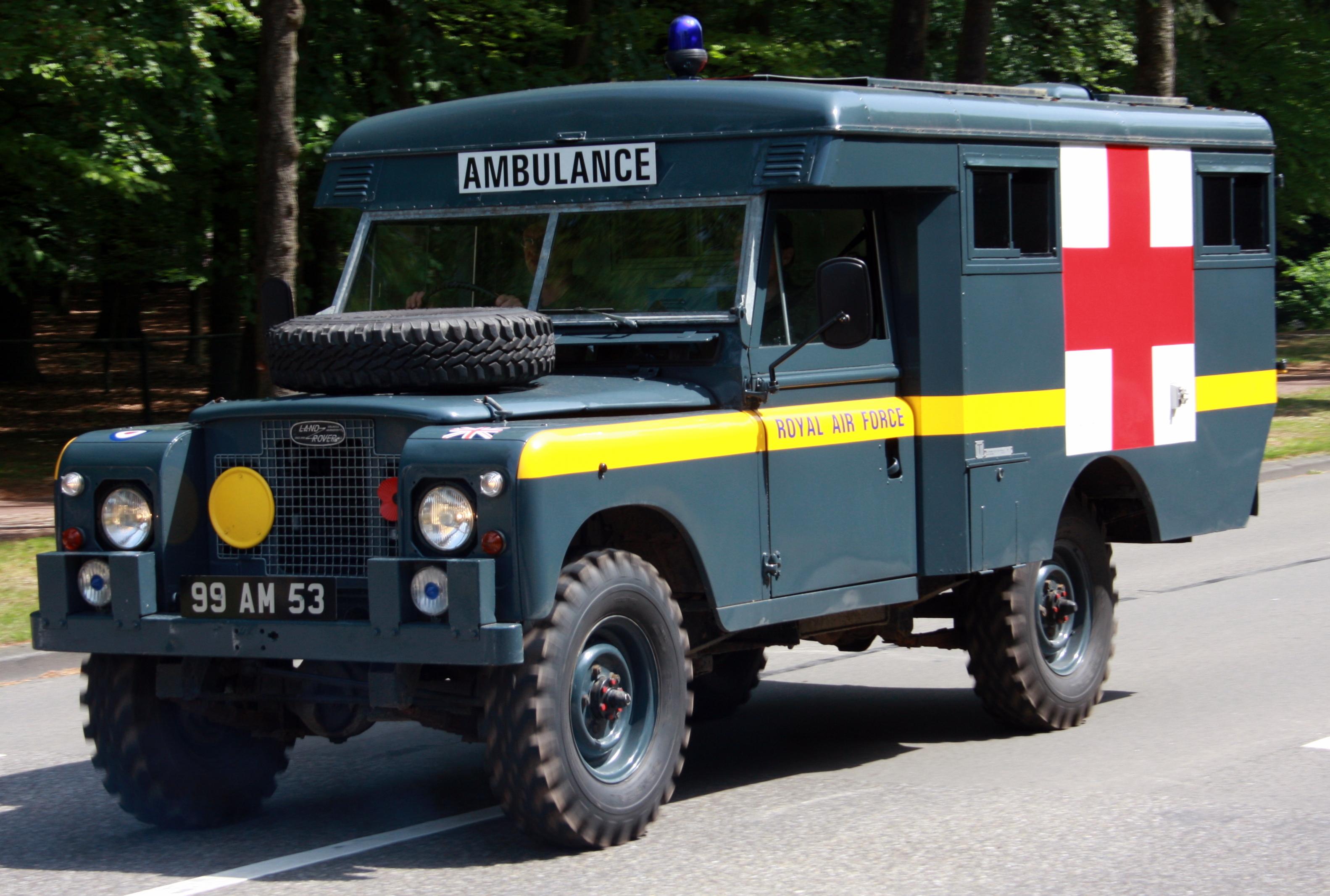 File Ambulance Landrover Jpg Wikimedia Commons