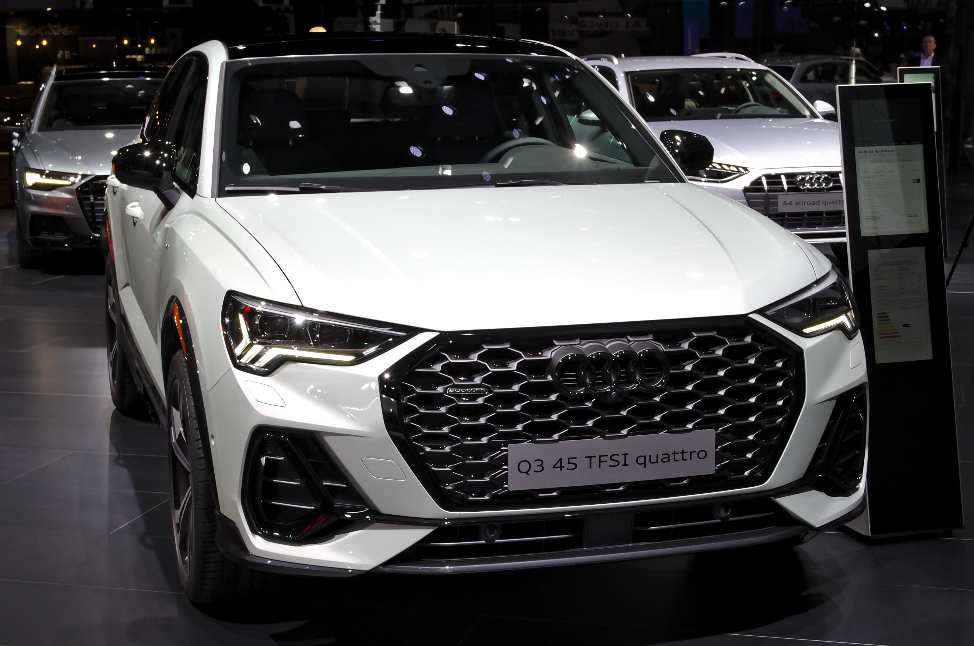Datei Audi Q3 Sportback At Iaa 2019 Img 0287 Jpg Wikipedia