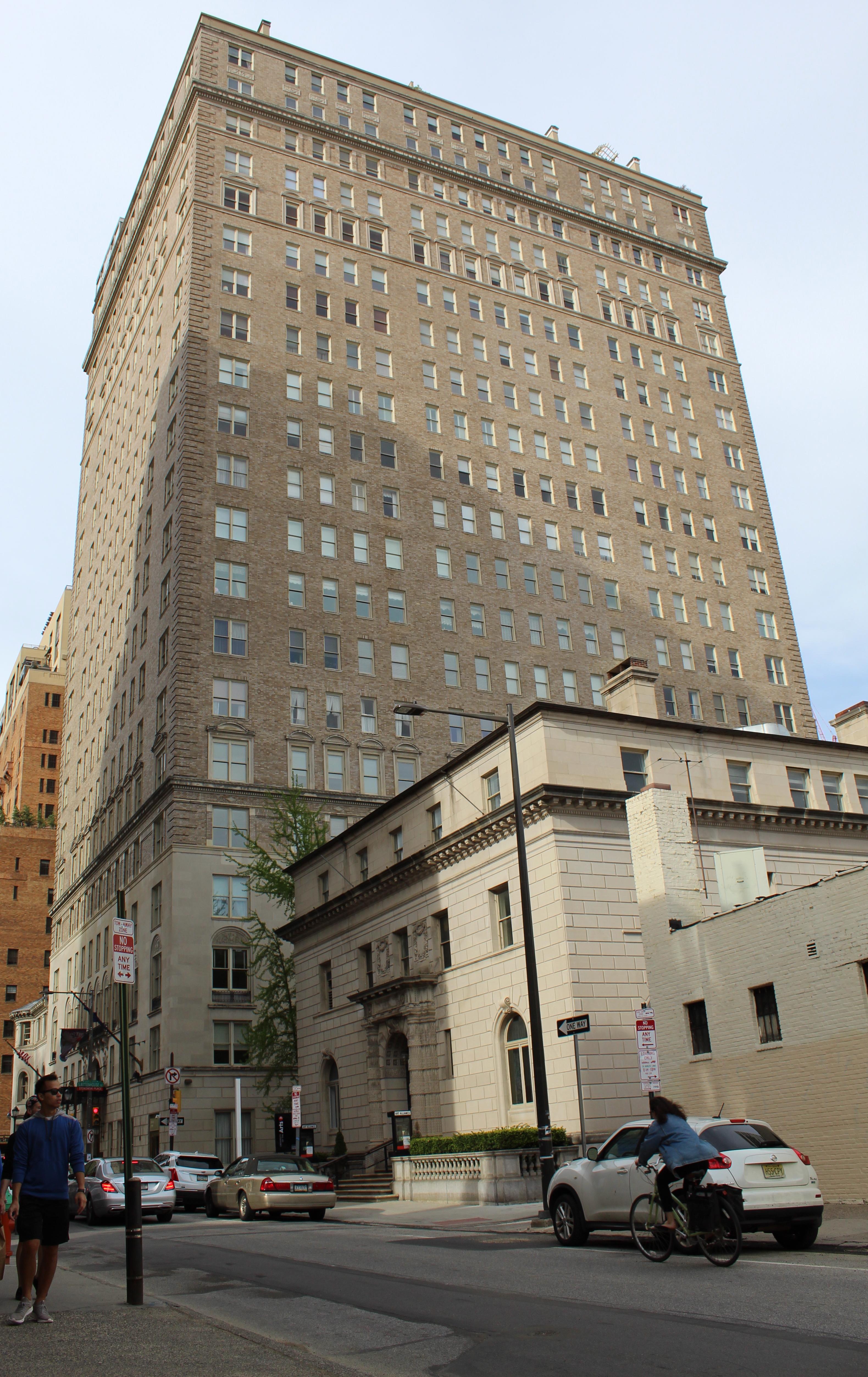 Barclay Hotel Wikipedia