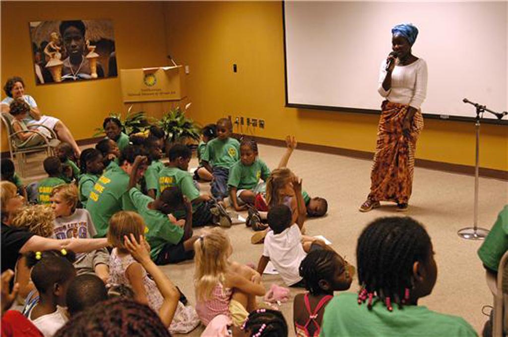 File:Beatrice Birra Storytelling at African Art Museum.jpg ...