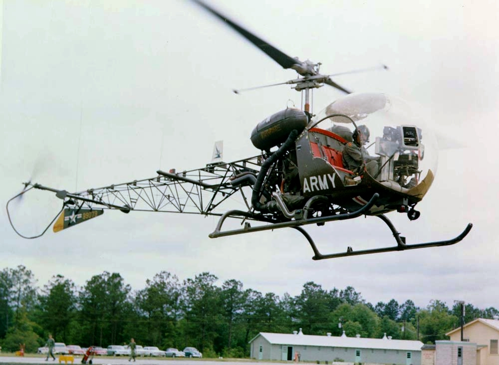 vietnam helicopter with File Bell Oh 13s Sioux In Flight on Of Snakes And Joe Slowinski moreover D271 Ttd moreover Car 15 also Large besides The Hero Of My Lai.