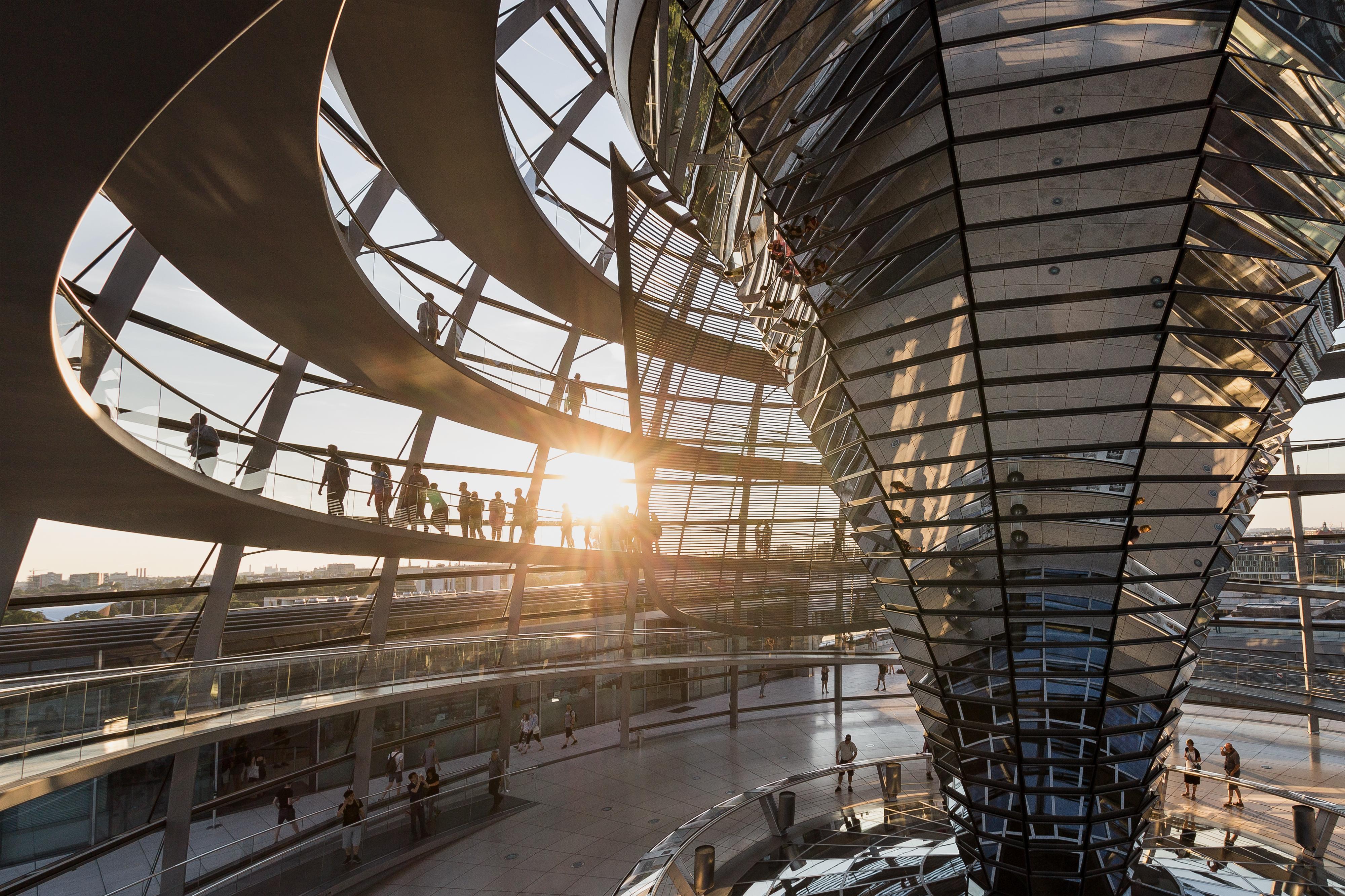Seriøst Datei:Berlin Reichstag Kuppel Innenansicht.jpg – Wikipedia XP-14