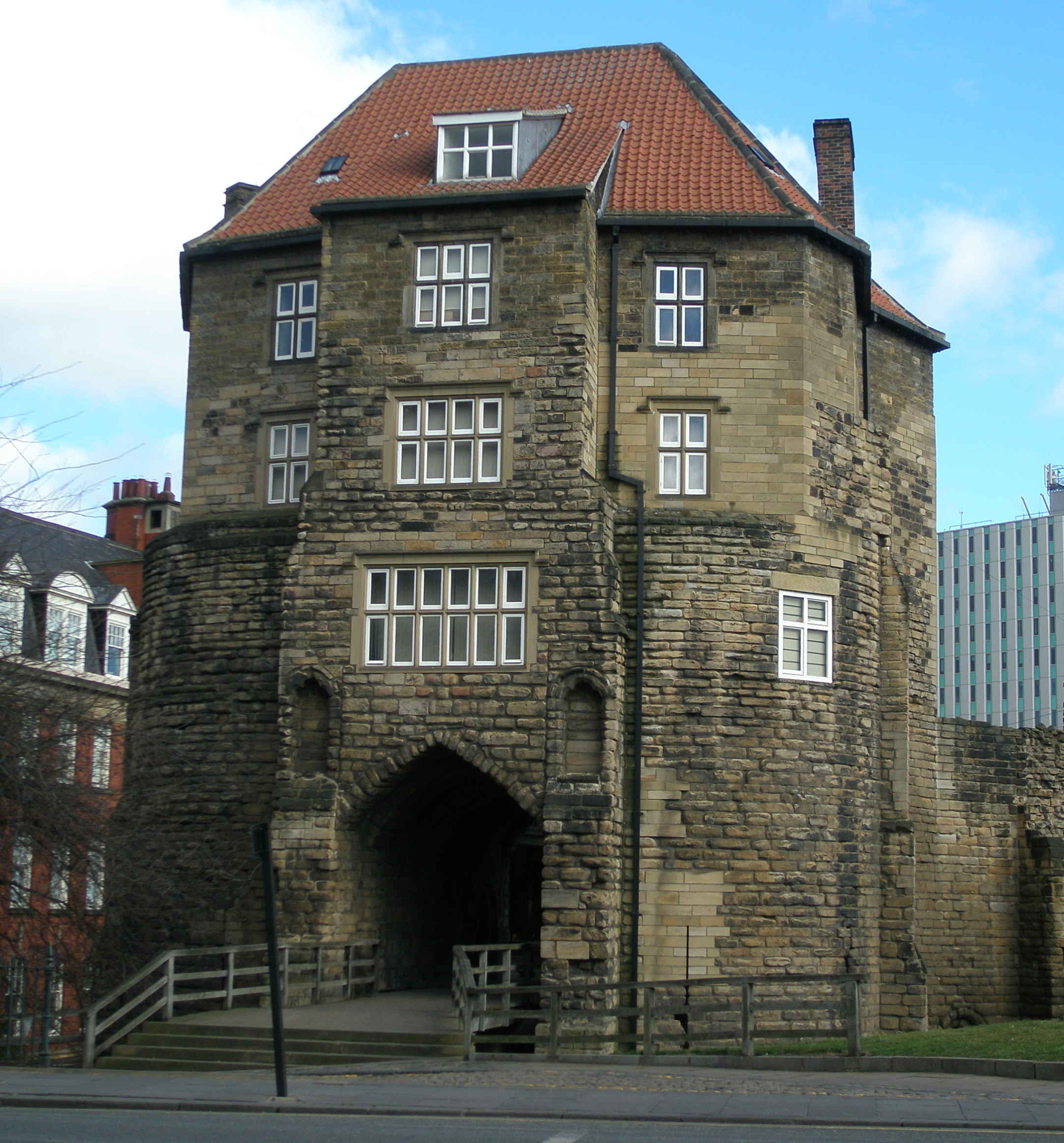 File Black Gate Front View Newcastle Upon Tyne