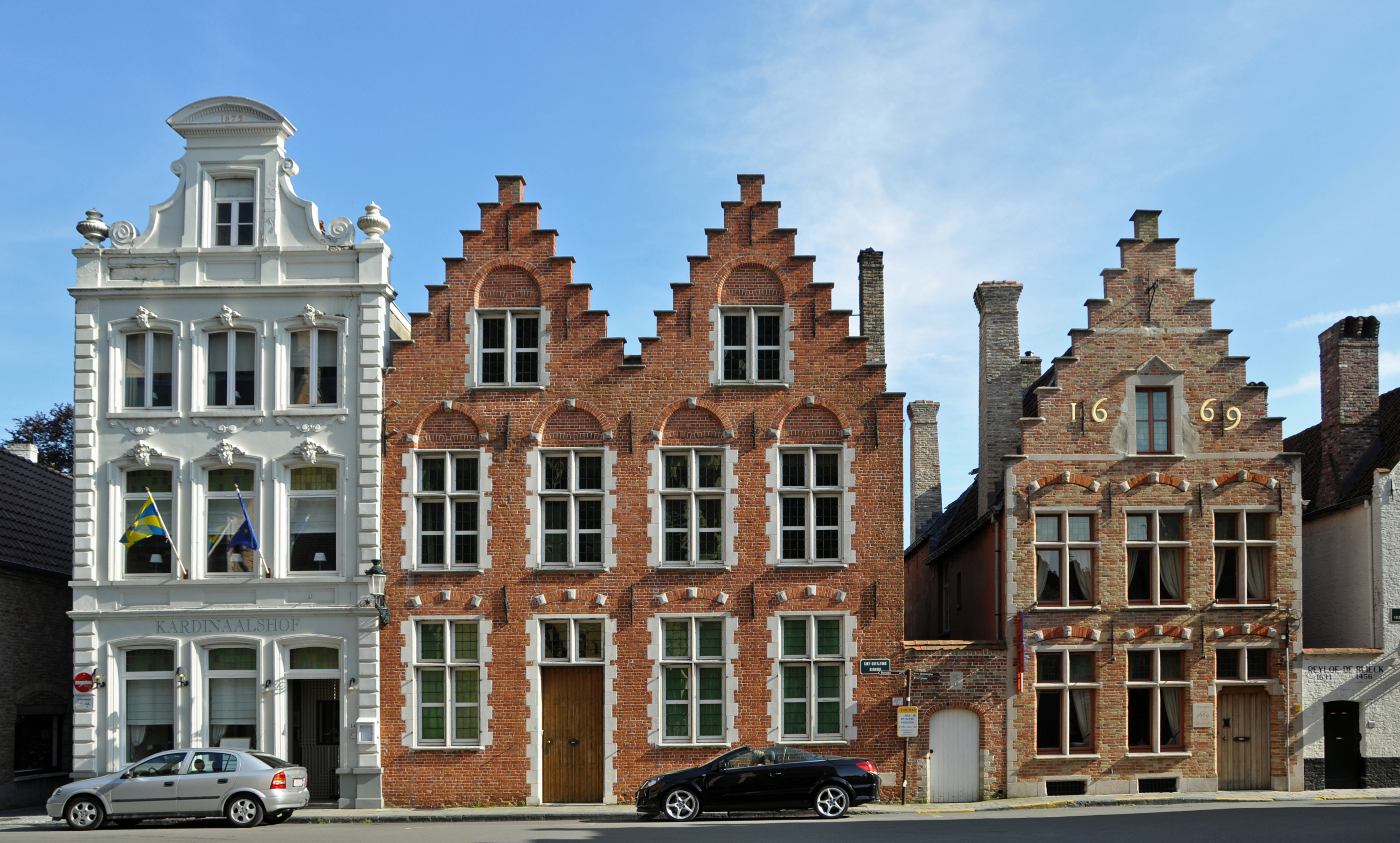 File brugge old houses wikimedia commons for Architecture flamande