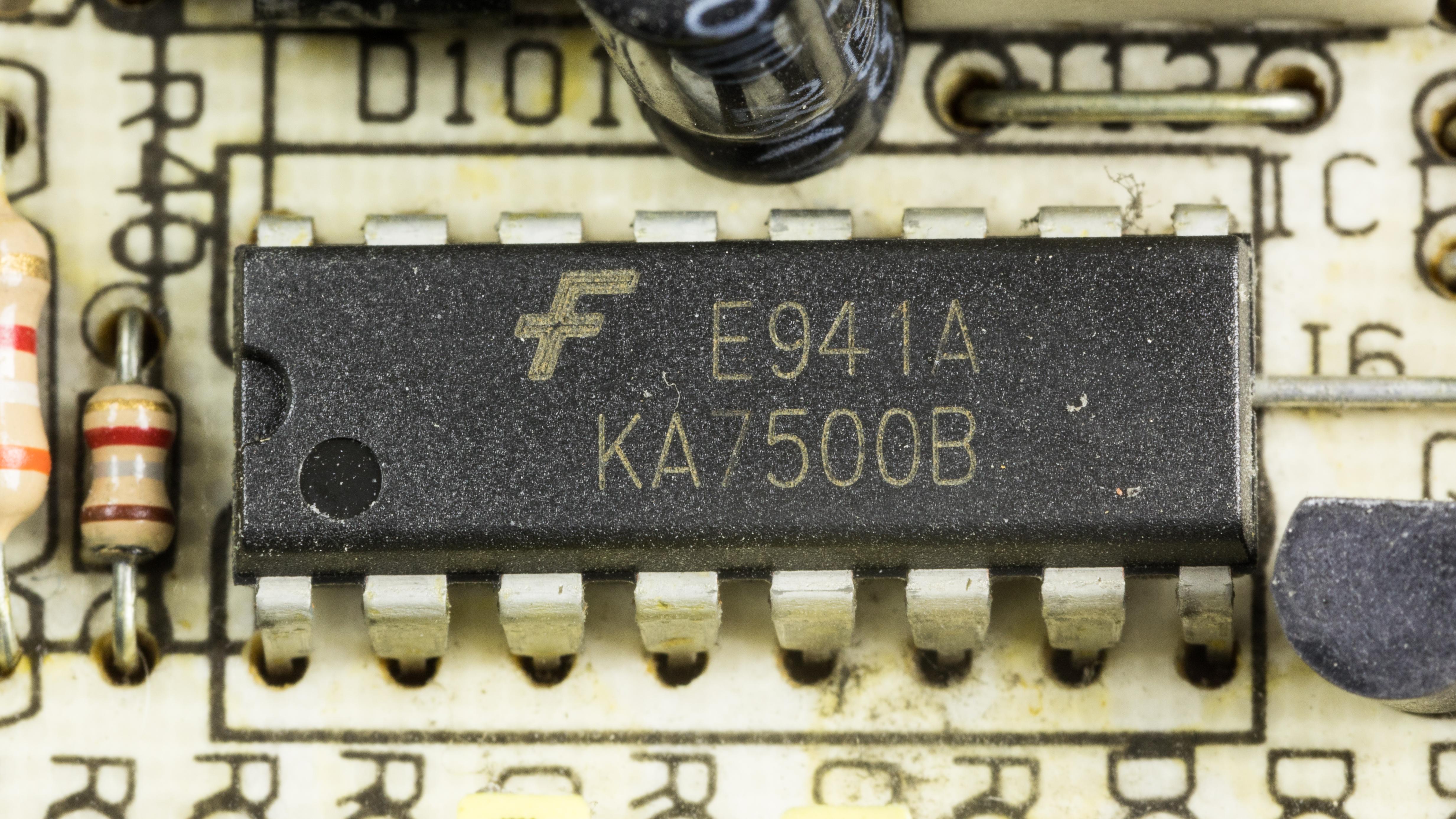 File:CWT-300ATX-A - Fairchild KA7500B-92647 jpg - Wikimedia Commons