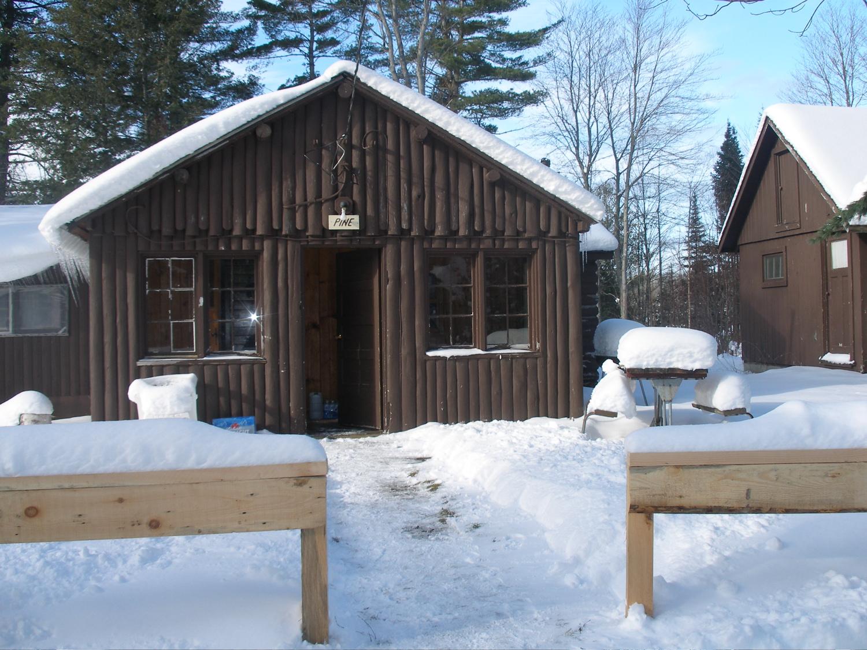 Upper peninsula of michigan wiki everipedia for Cabins on lake michigan in wisconsin