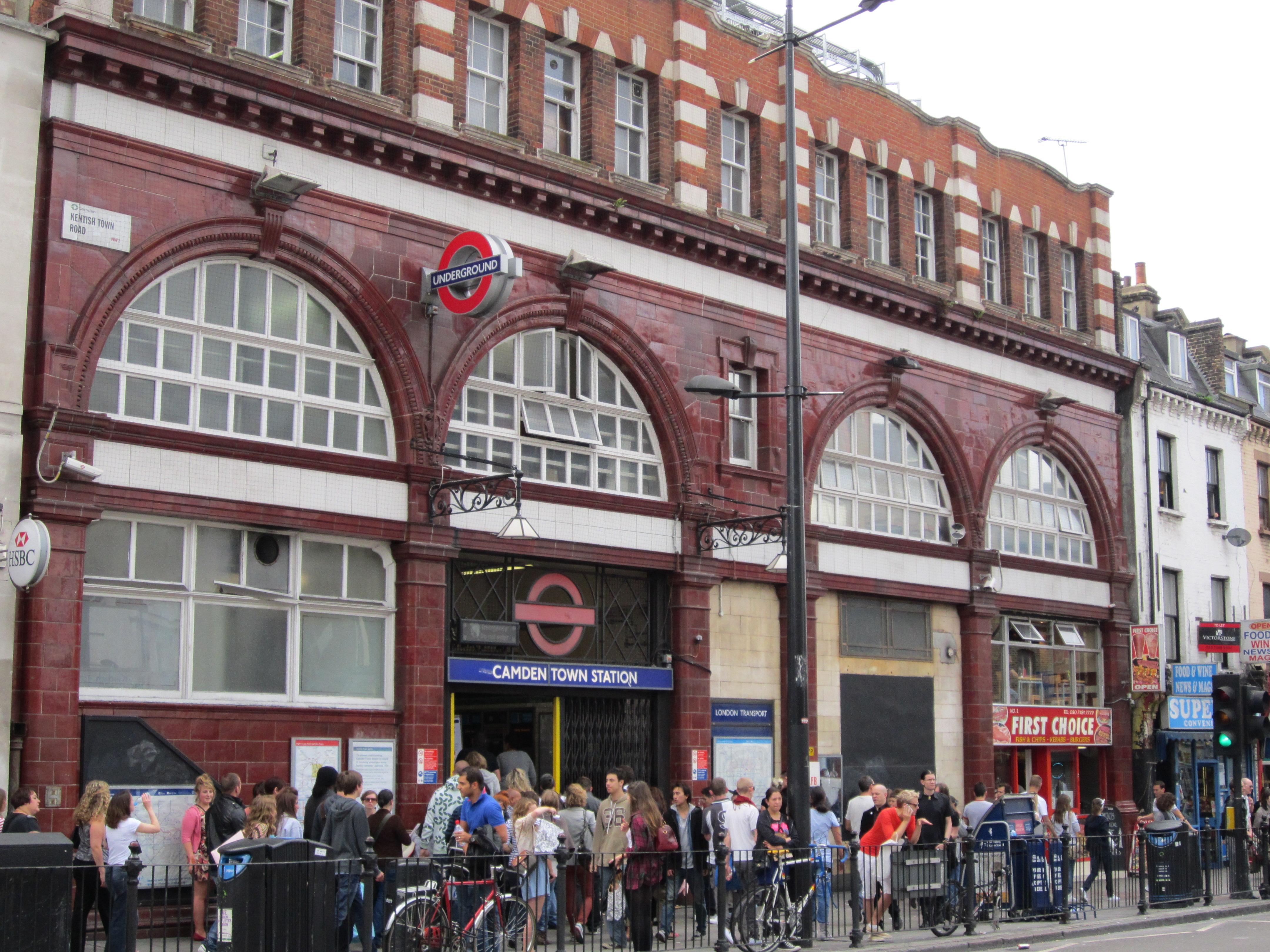 File:Camden Town tube station - IMG 0766.JPG - Wikimedia Commons