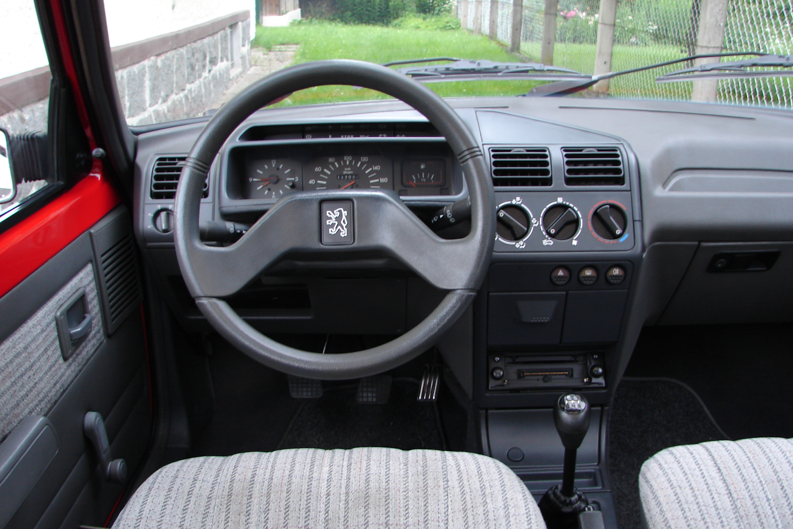 File Cockpit Peugeot 205 Gr Type Ii Jpg Wikimedia Commons