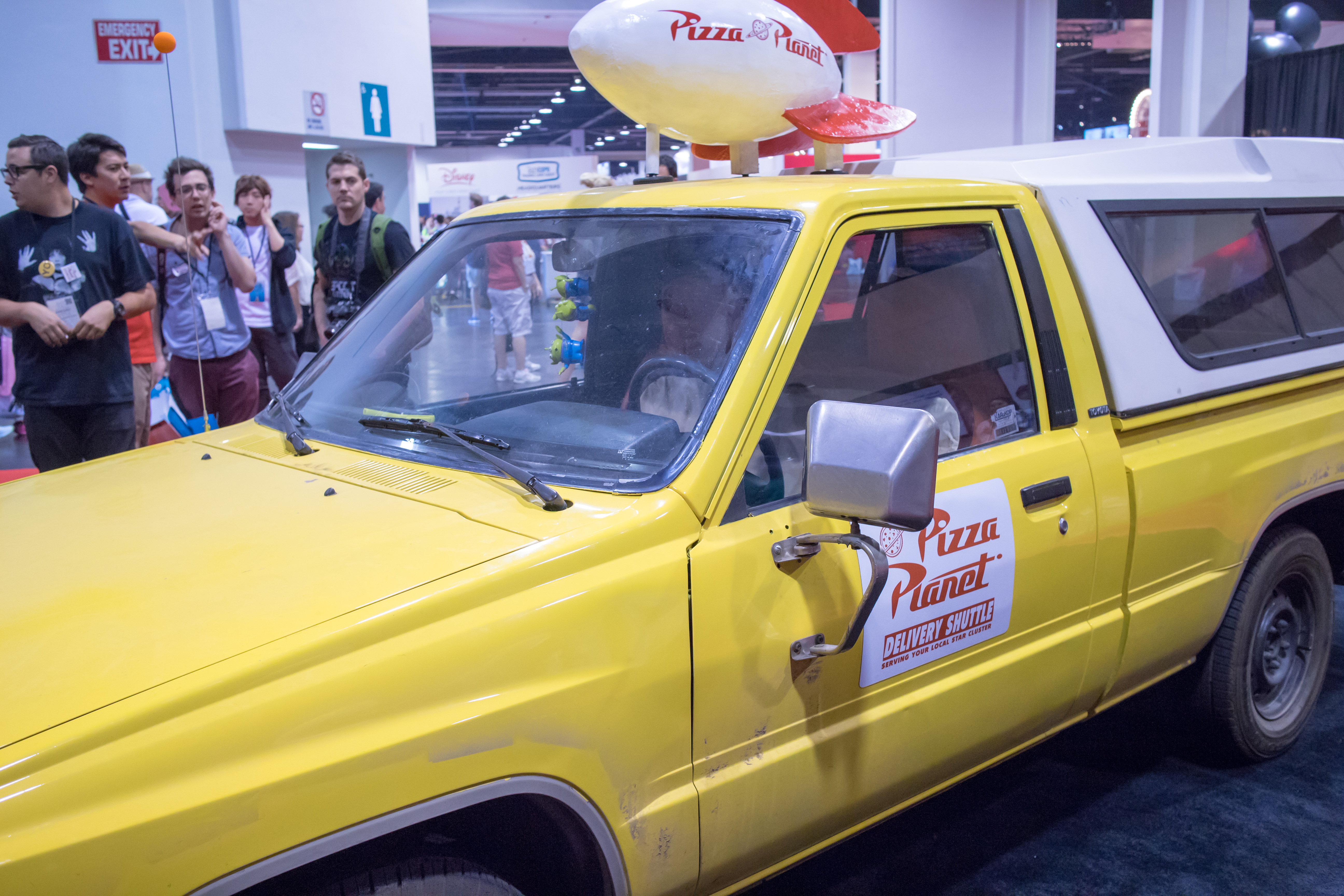 Pizza Truck With Exhibition Kitchen
