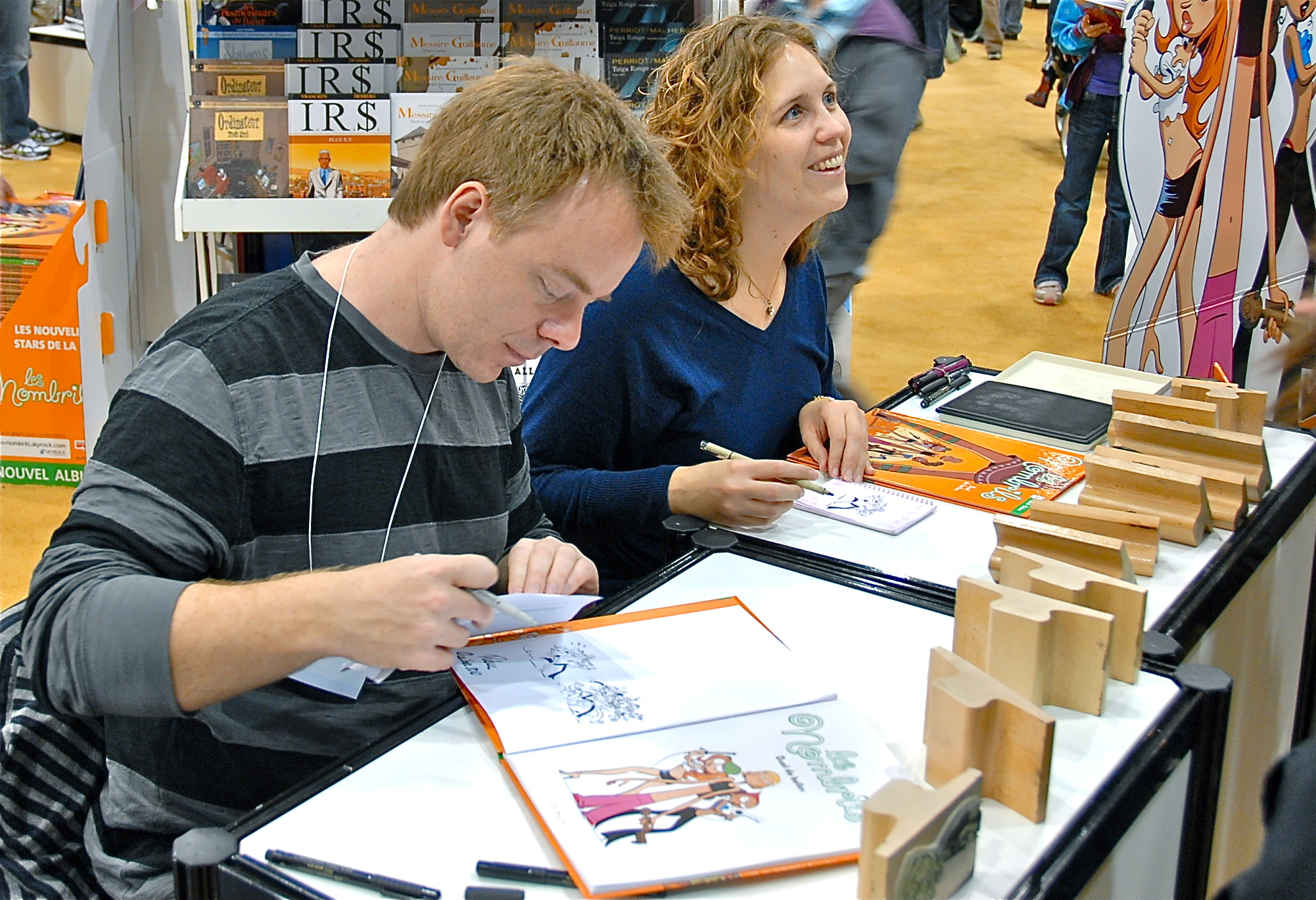 Delaf (left) and [[Maryse Dubuc|Dubuc]] (right) at Salon international du livre de Québec in [[Quebec City]], 2010