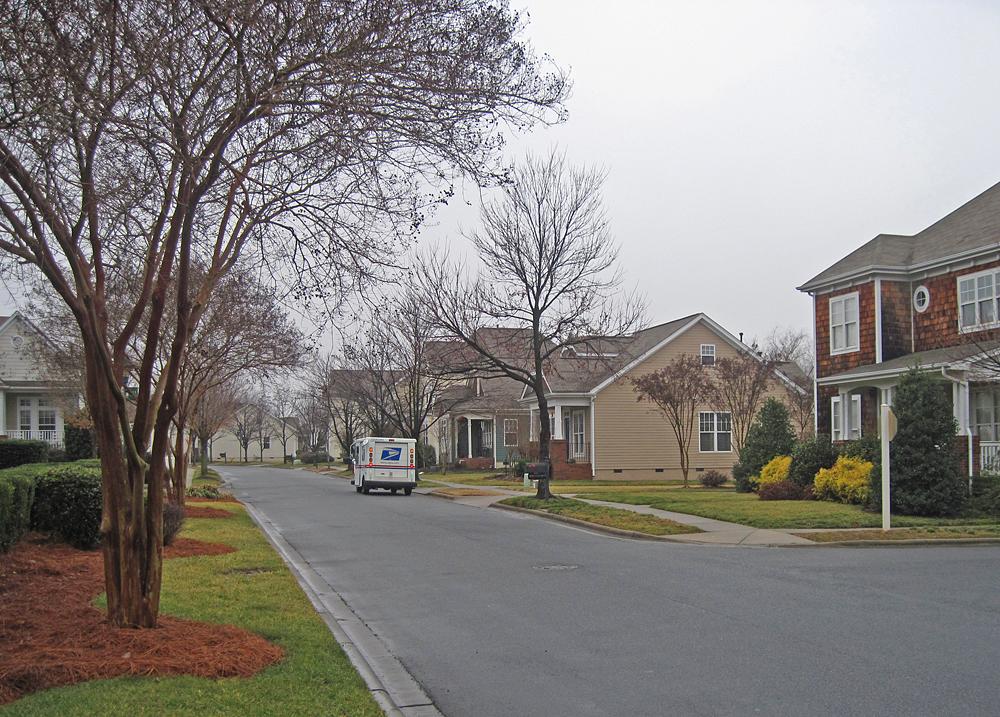 Delivering the mail birkdale Village (5489315350).jpg