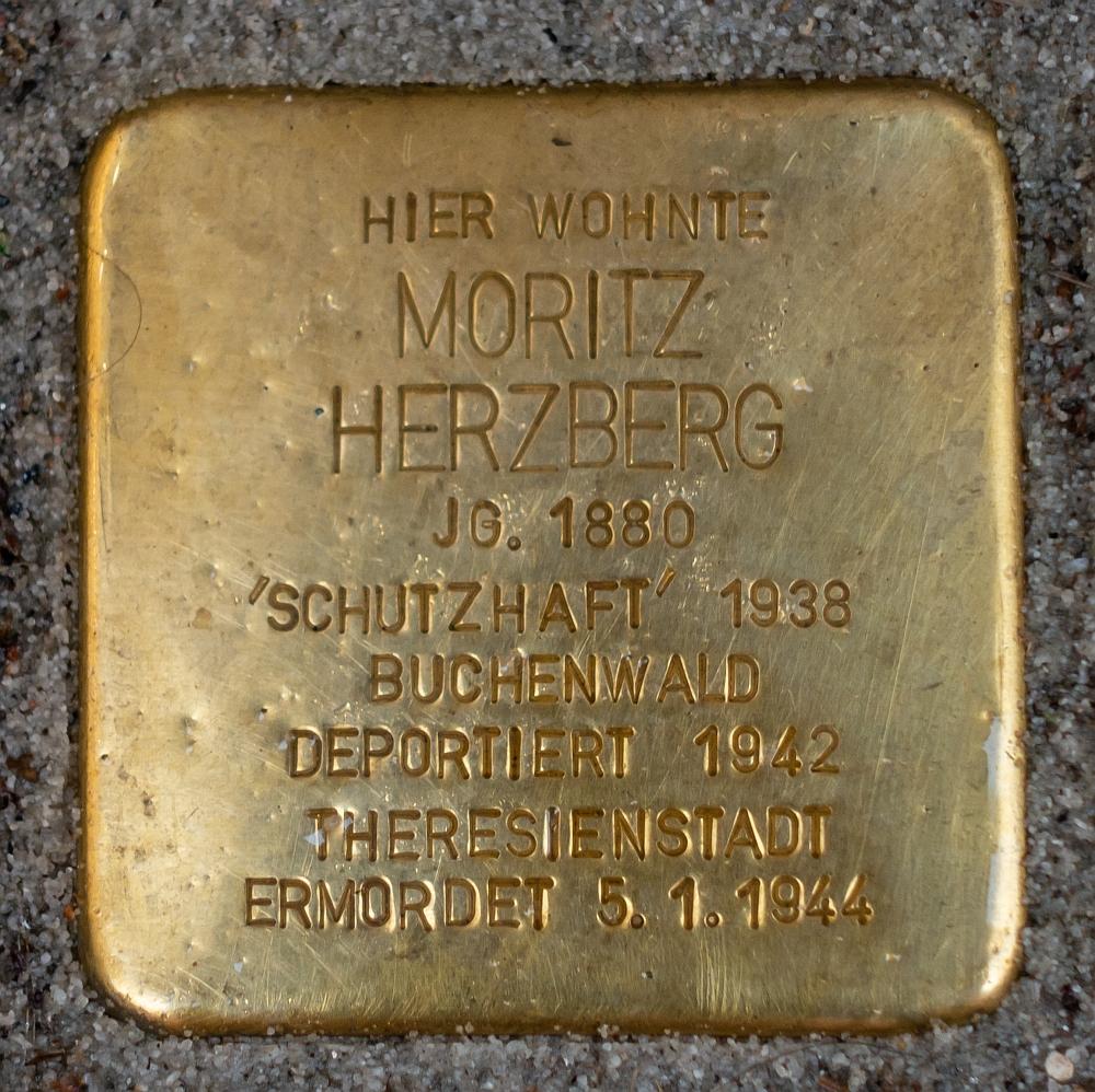 Detmold - 2020-07-14 - Stolperstein Moritz Herzberg (DSC02605).jpg