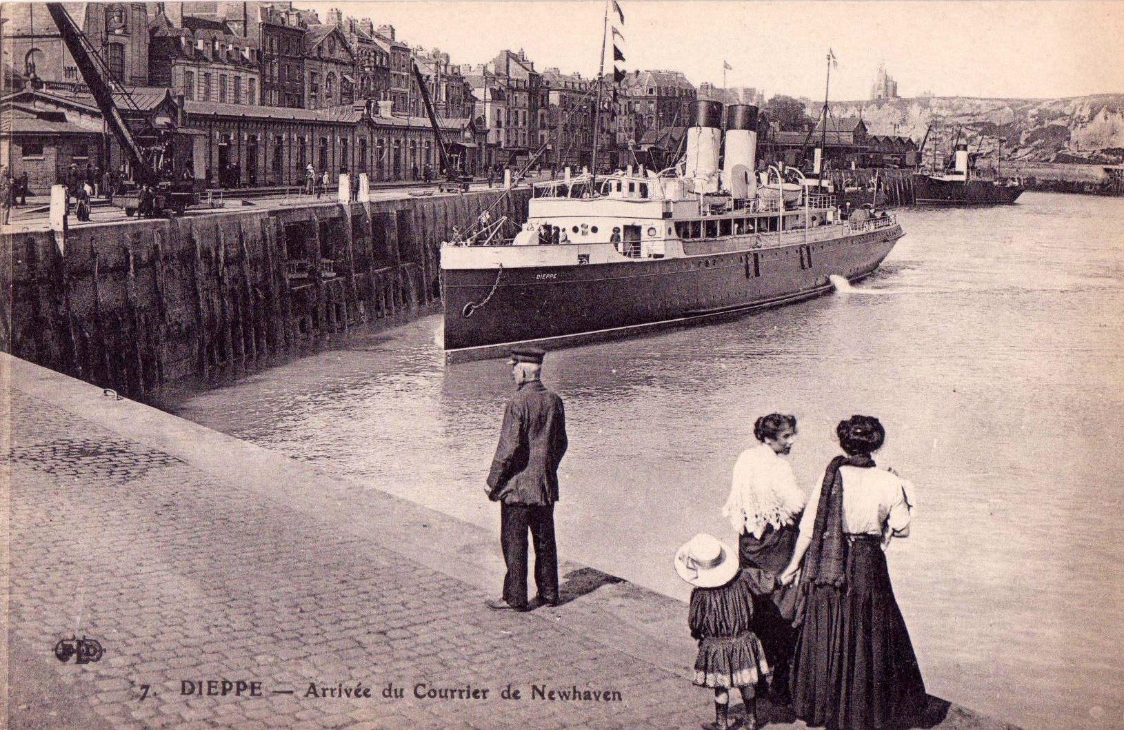 file dieppe steamer runs between dieppe and newhaven wikimedia commons. Black Bedroom Furniture Sets. Home Design Ideas