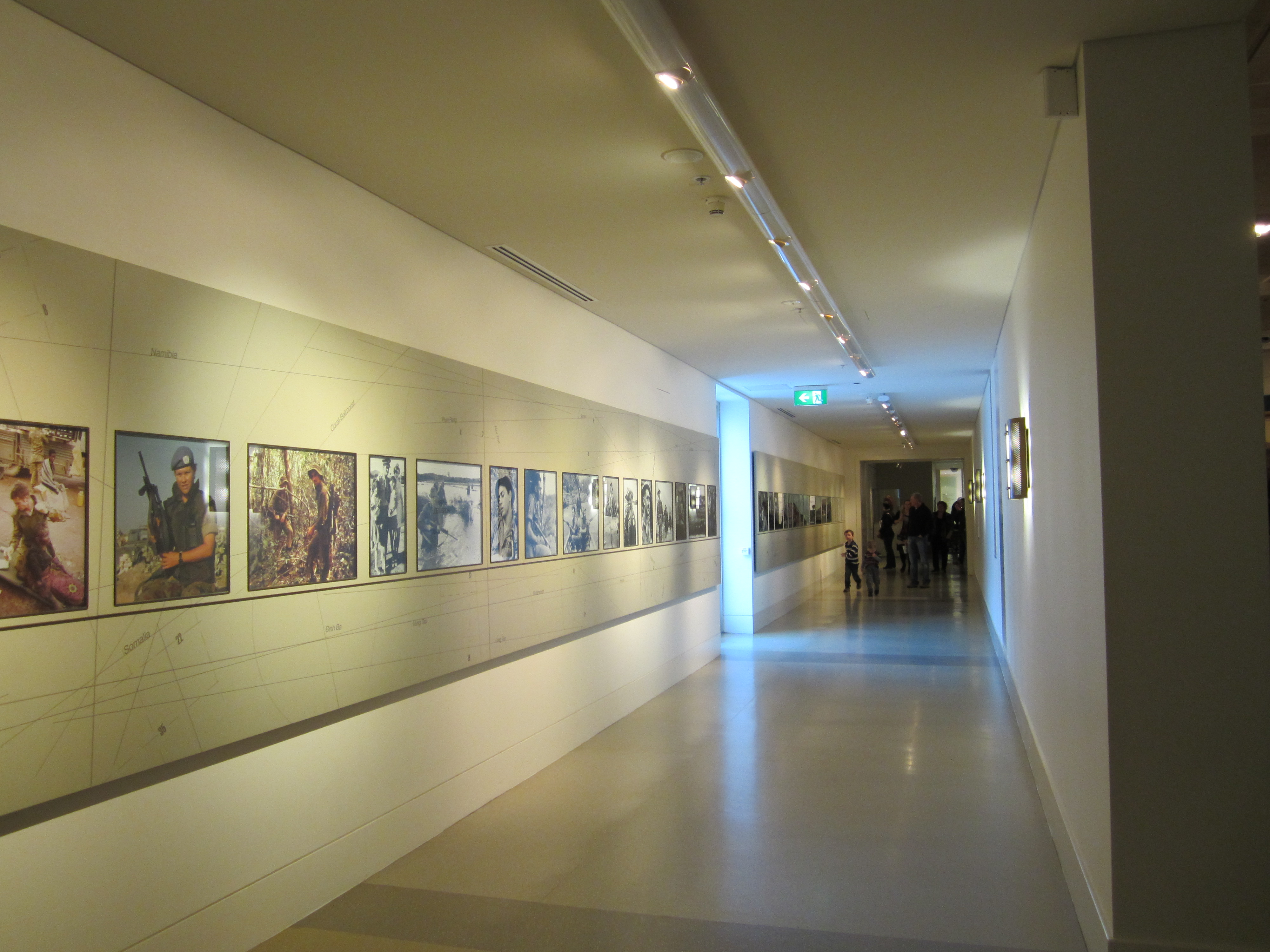 File entrance corridor at the awm august 2012 jpg wikimedia commons - Corridor entrance ...