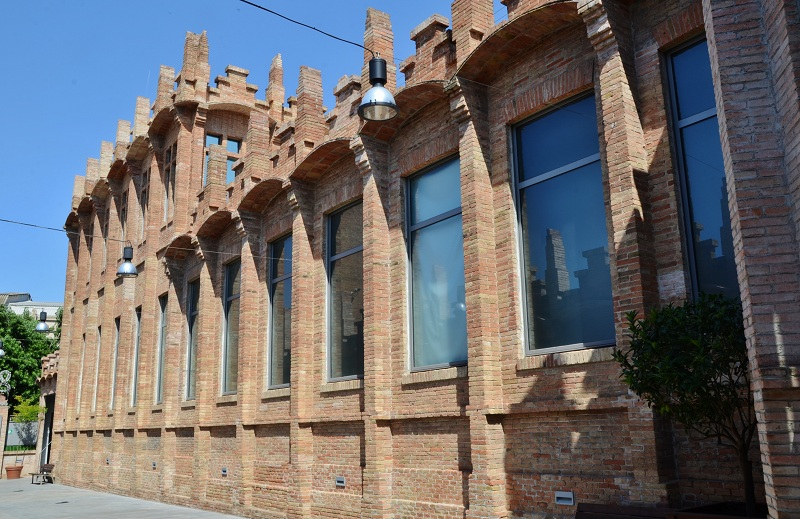 File:Fàbrica Casaramona (Barcelona) - 16.jpg
