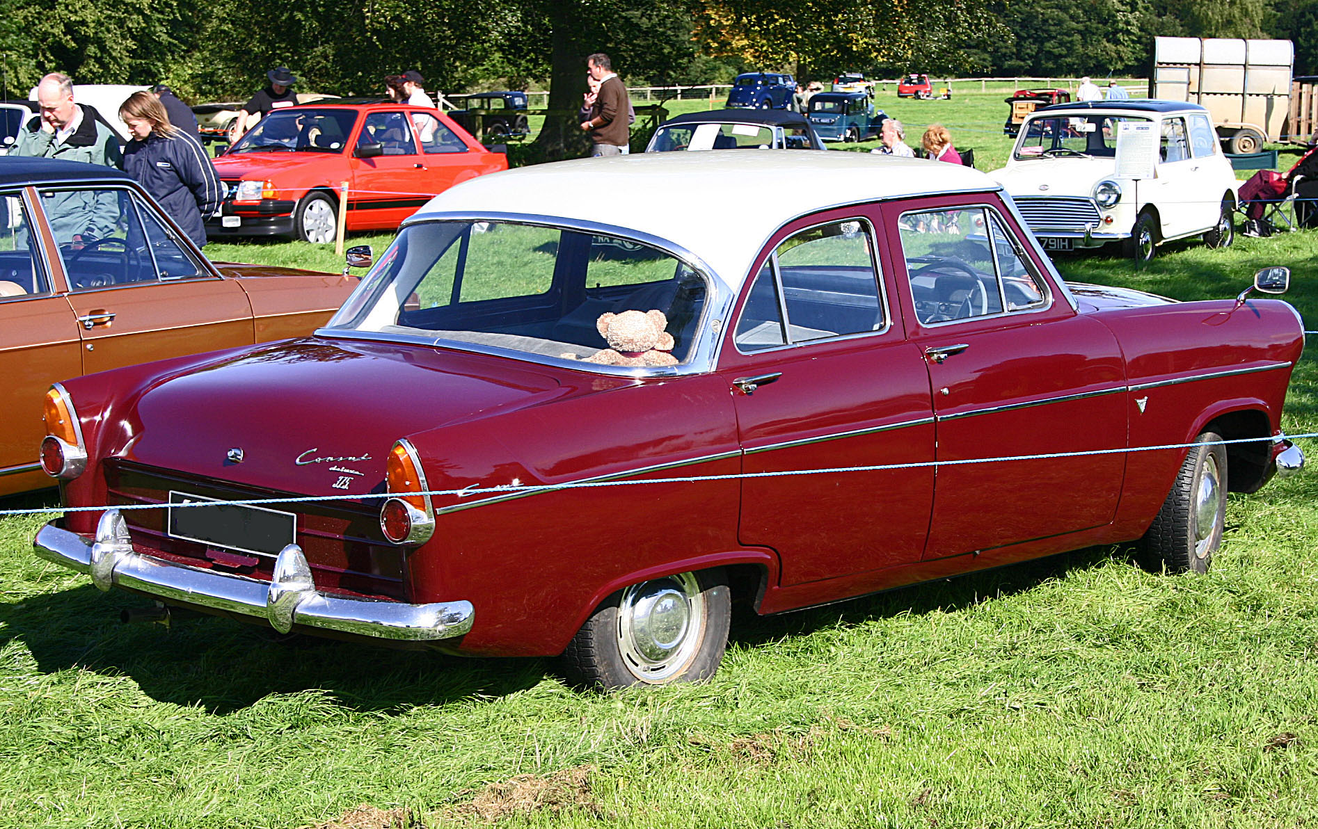 File ford consul 204e 1961 375 wikimedia commons for Consul wikipedia