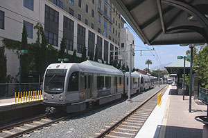 Gold Line train at Del Mar station, July 18, 2013.jpg