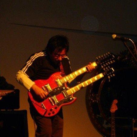 File:Grillo Villegas en concierto.jpg