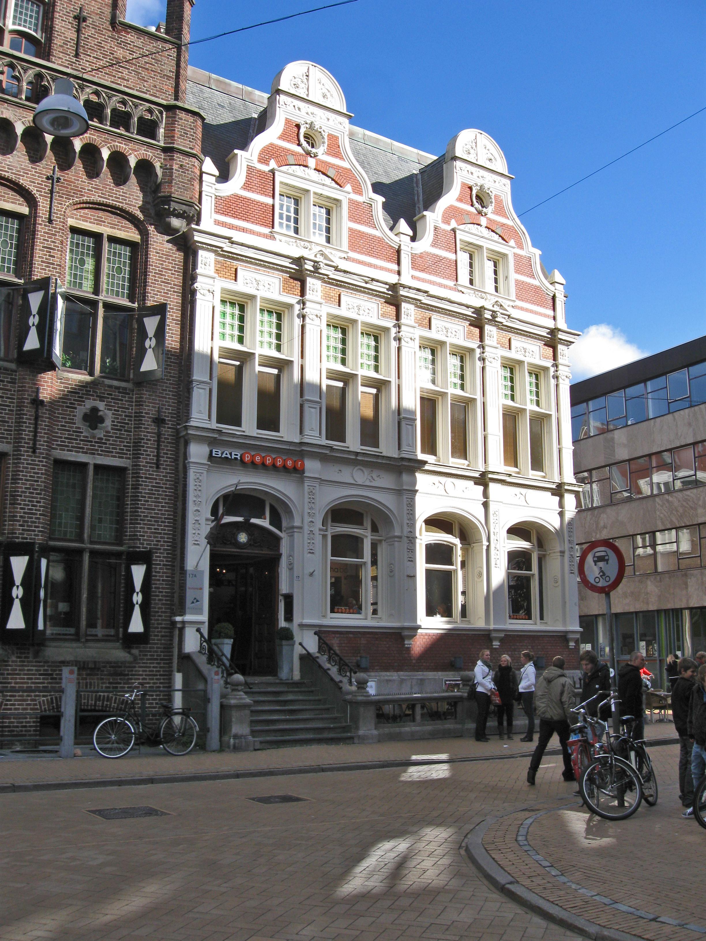 Bankgebouw In Eclectische Bouwstijl Met Neo Barok Kenmerken In