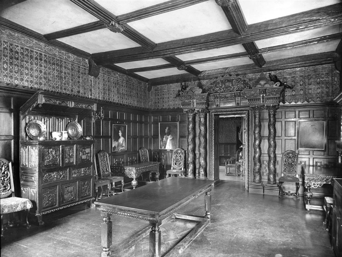 Das Große Esszimmer Um 1900