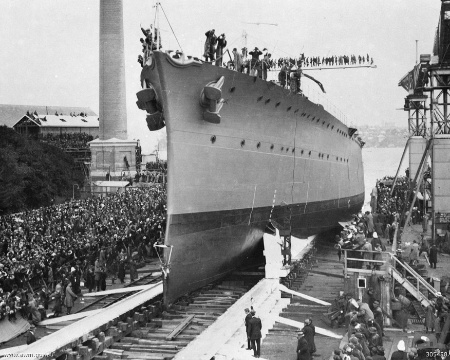 HMAS Adelaide launching 1918 IWM 305488