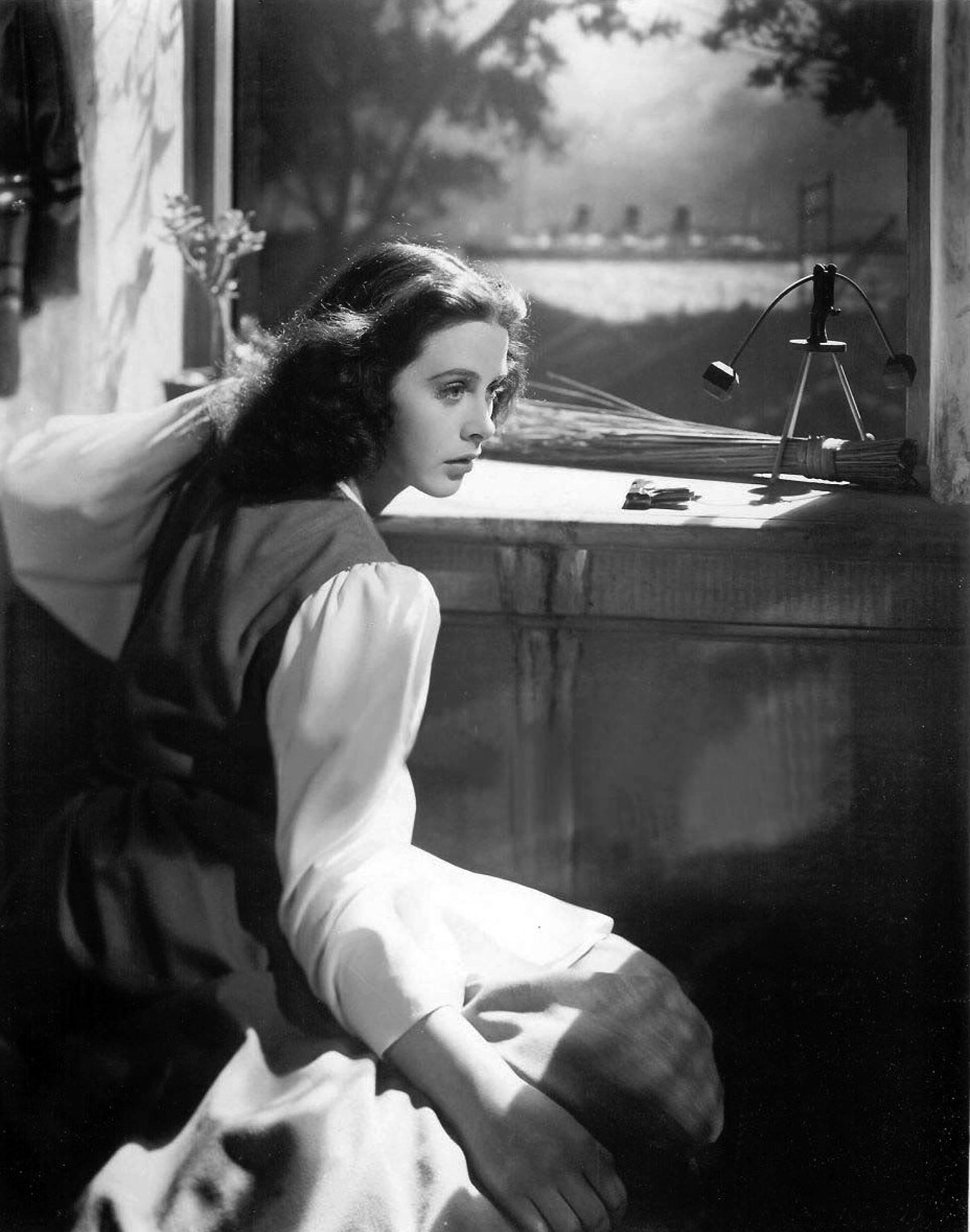File:Hedy Lamarr in Lady of the Tropics 4.jpg - Wikimedia Commons