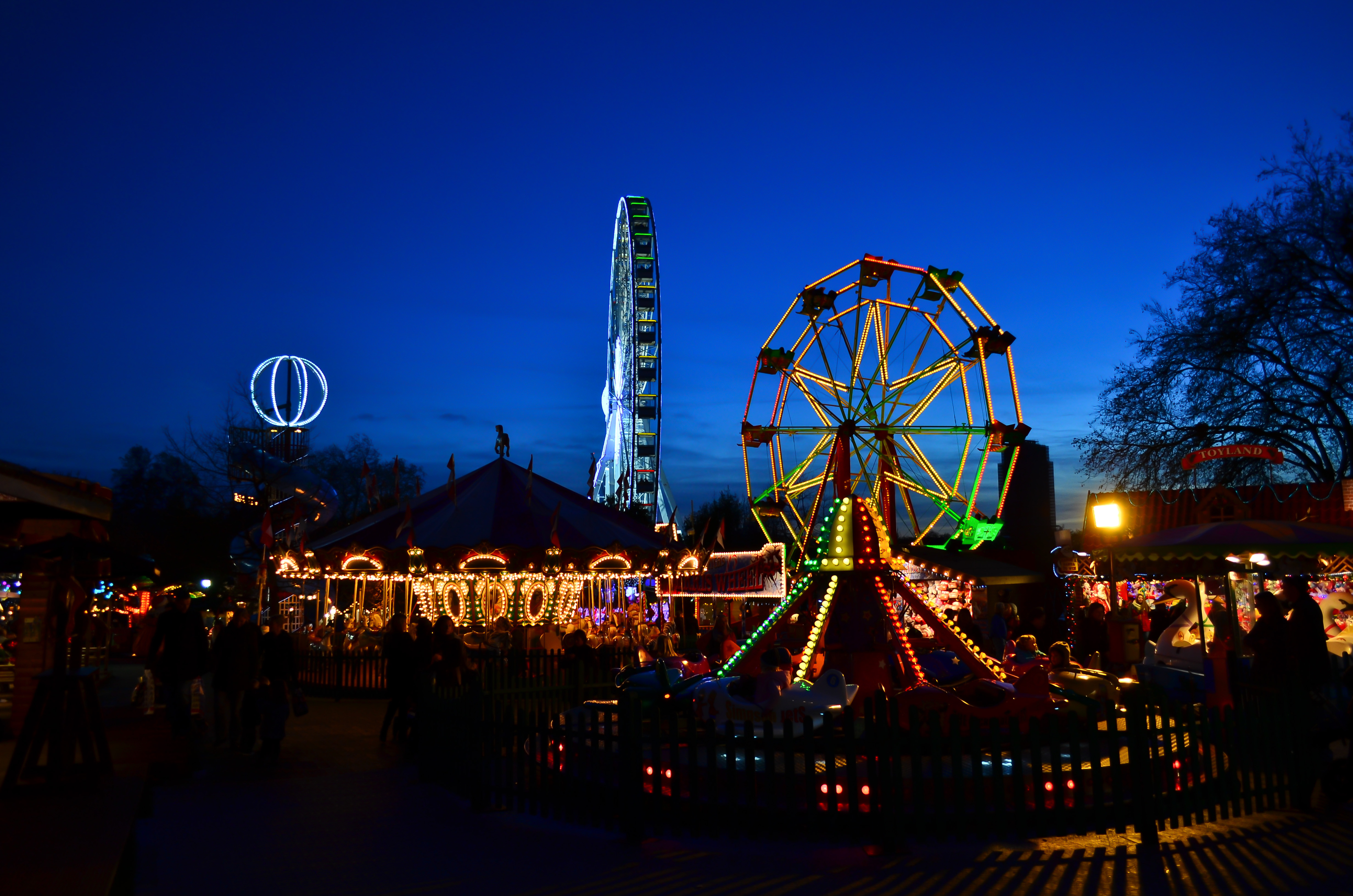 2019 F Type >> File:Hyde Park Winter Wonderland 2011 - 37.jpg - Wikimedia Commons